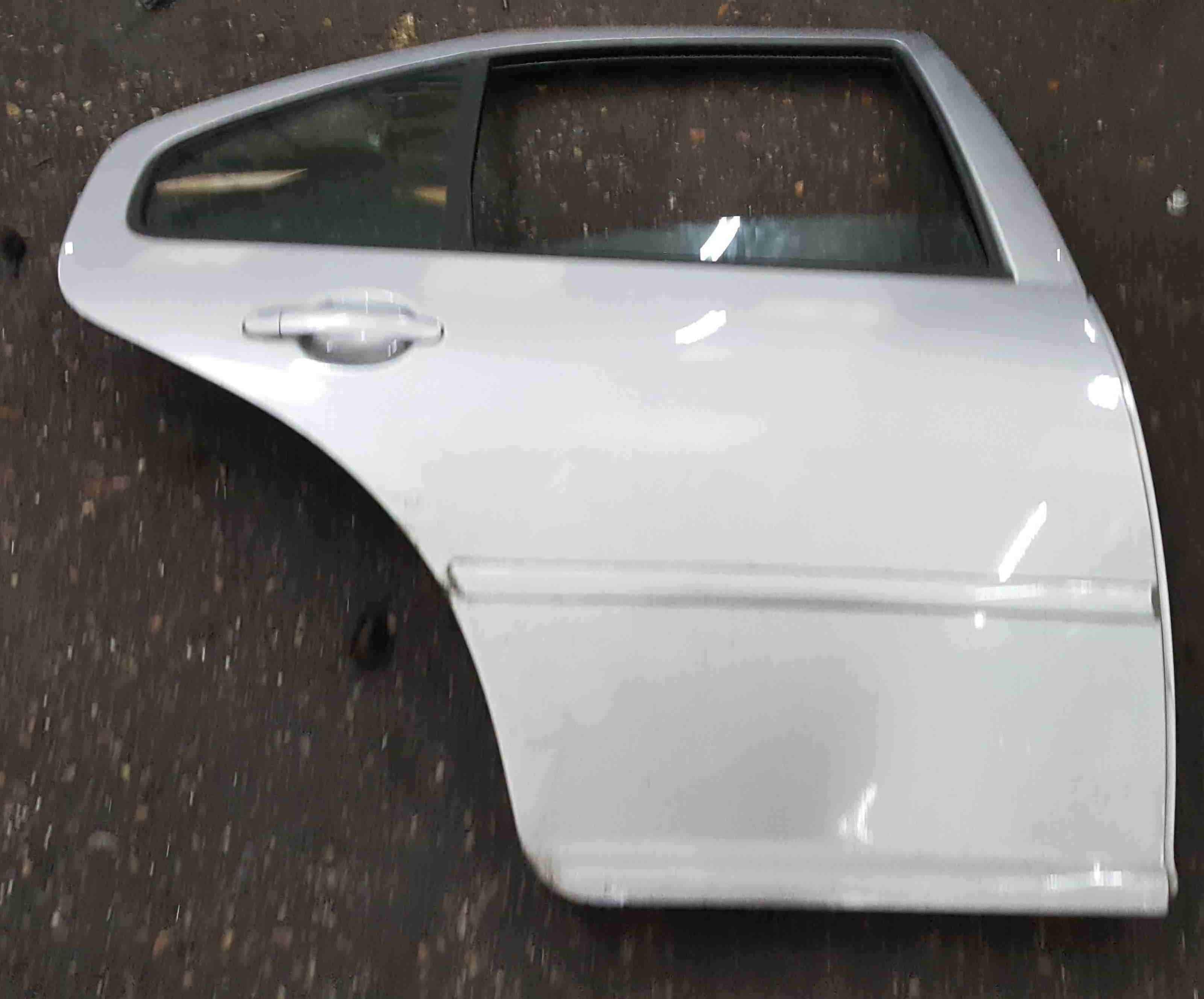 Volkswagen Bora 1998-2005 Drivers OSR Rear Door Silver LA7W