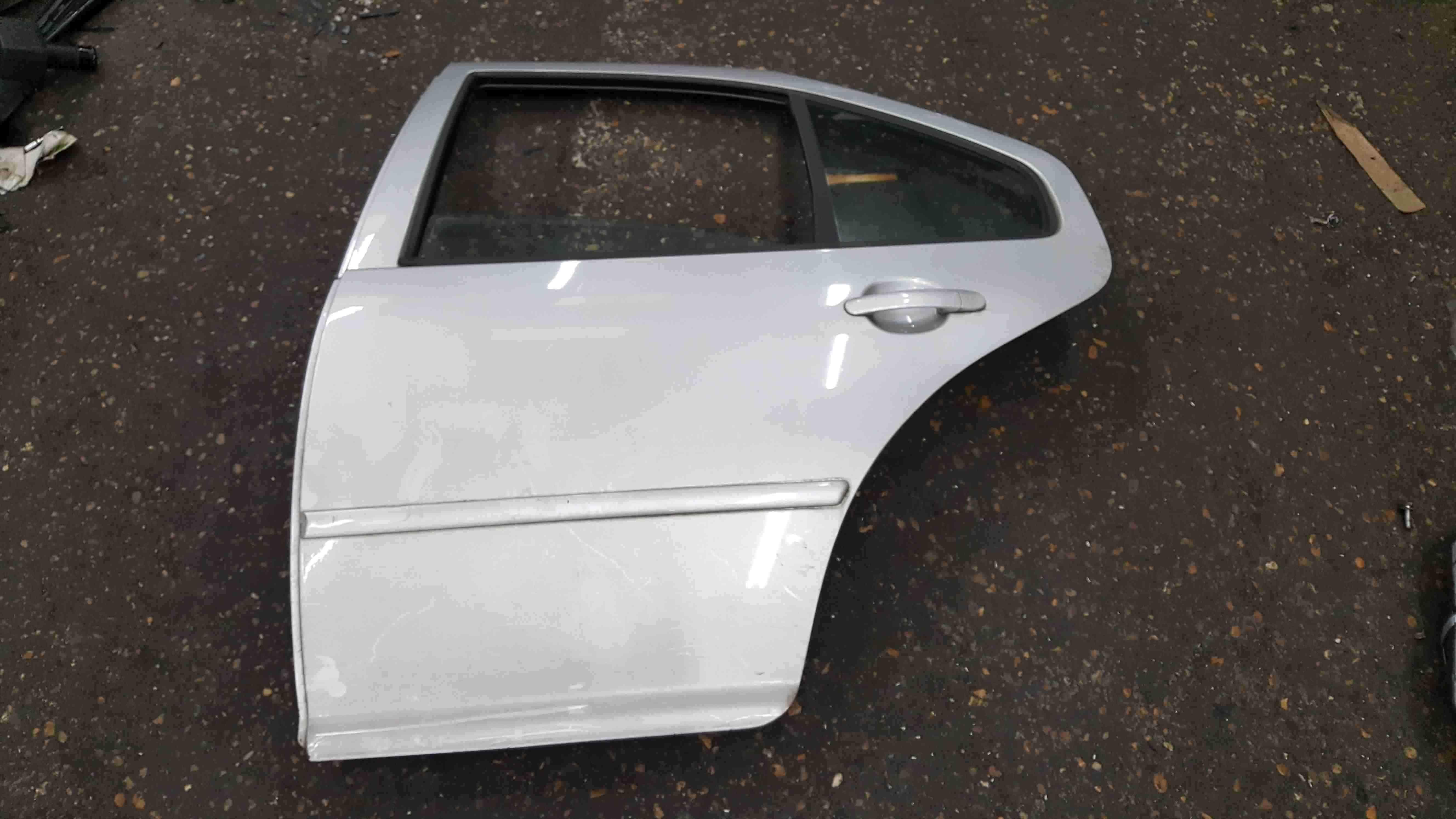 Volkswagen Bora 1998-2005 Passenger NSR Rear Door Silver LA7W
