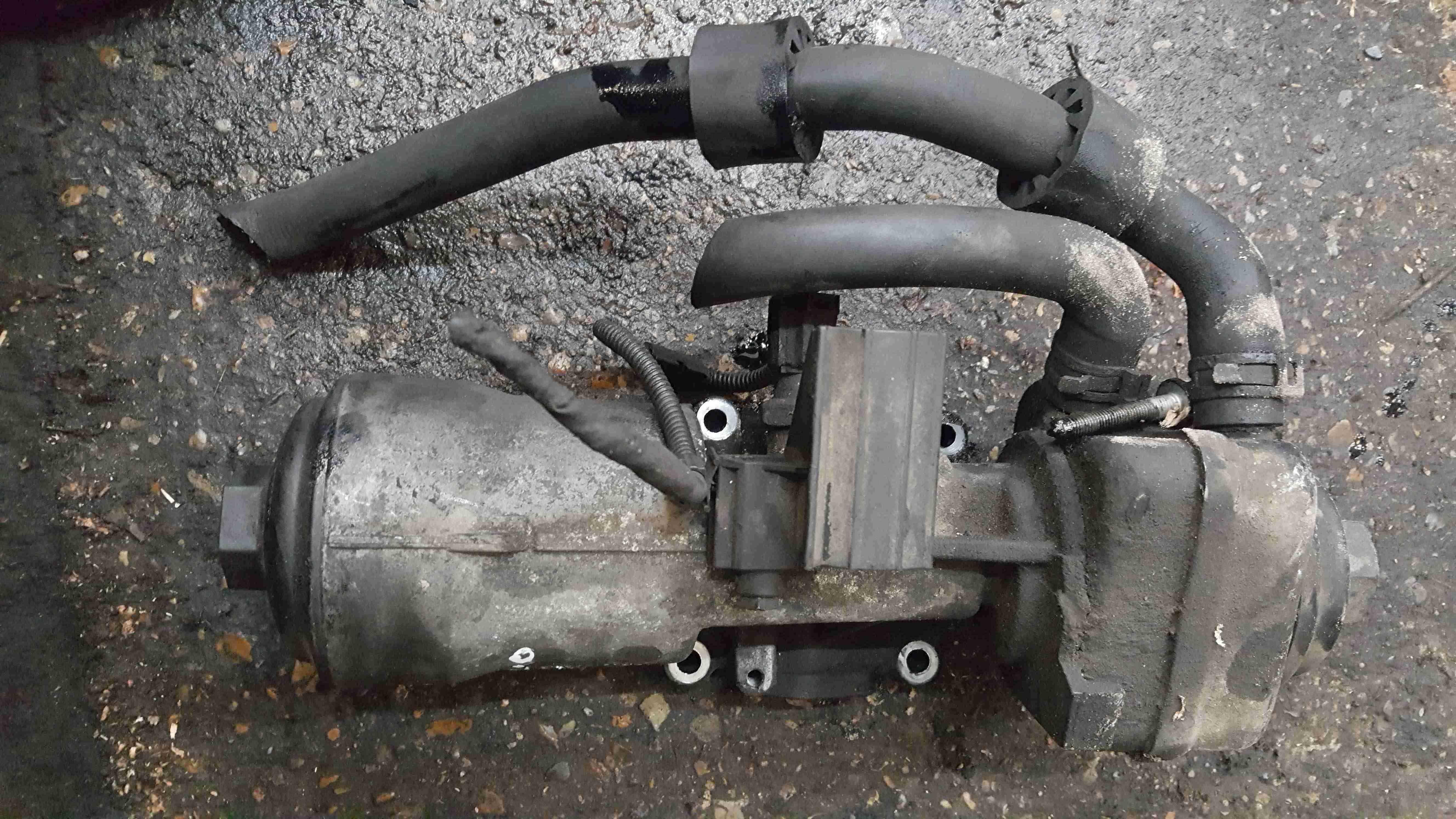 Volkswagen Caddy 2004-2010 2.0 SDi Engine Oil Cooler Housing 045115389G