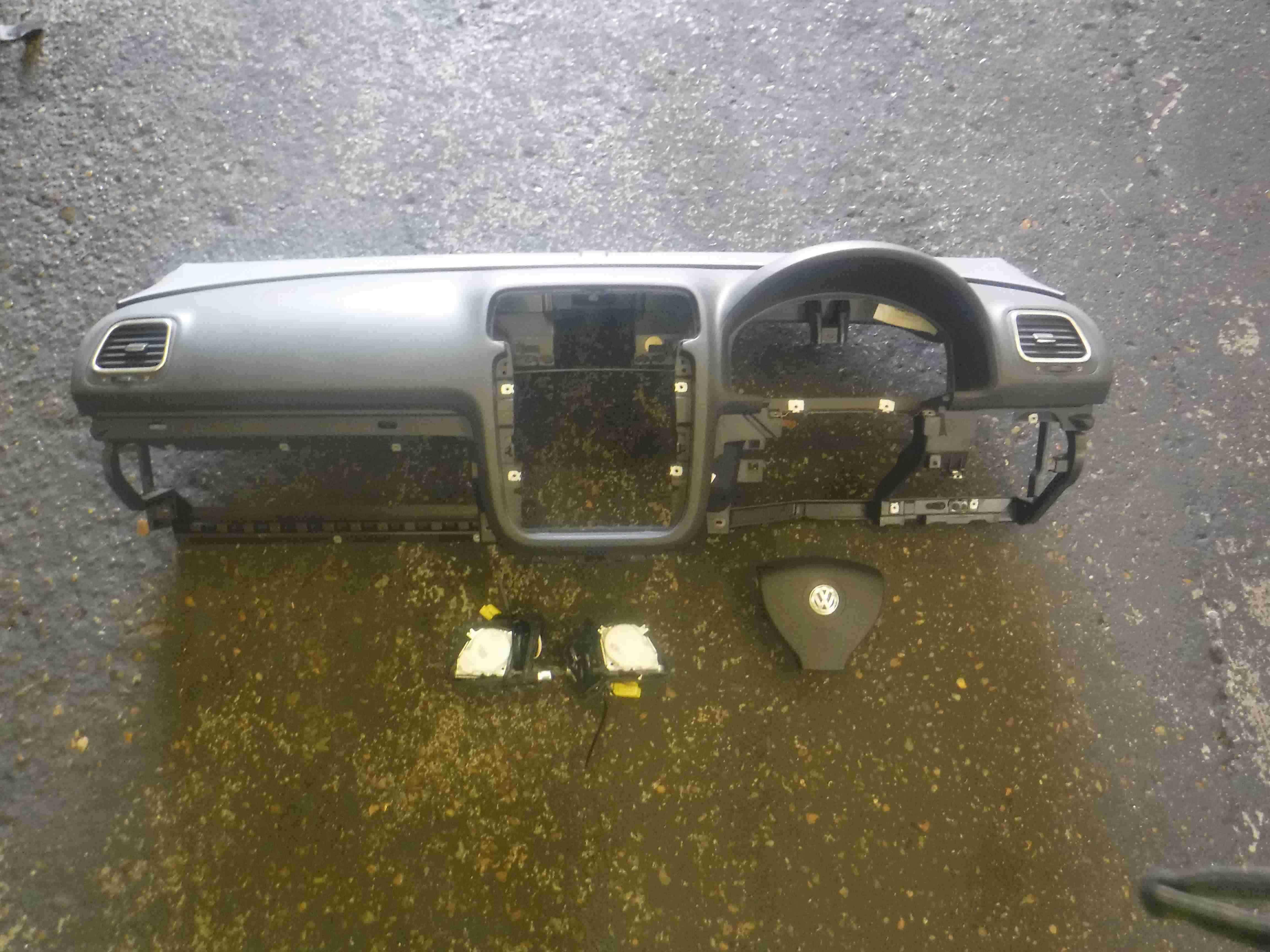 Volkswagen EOS 2005-2016 Main Dashboard Airbag Kit Seat Belts