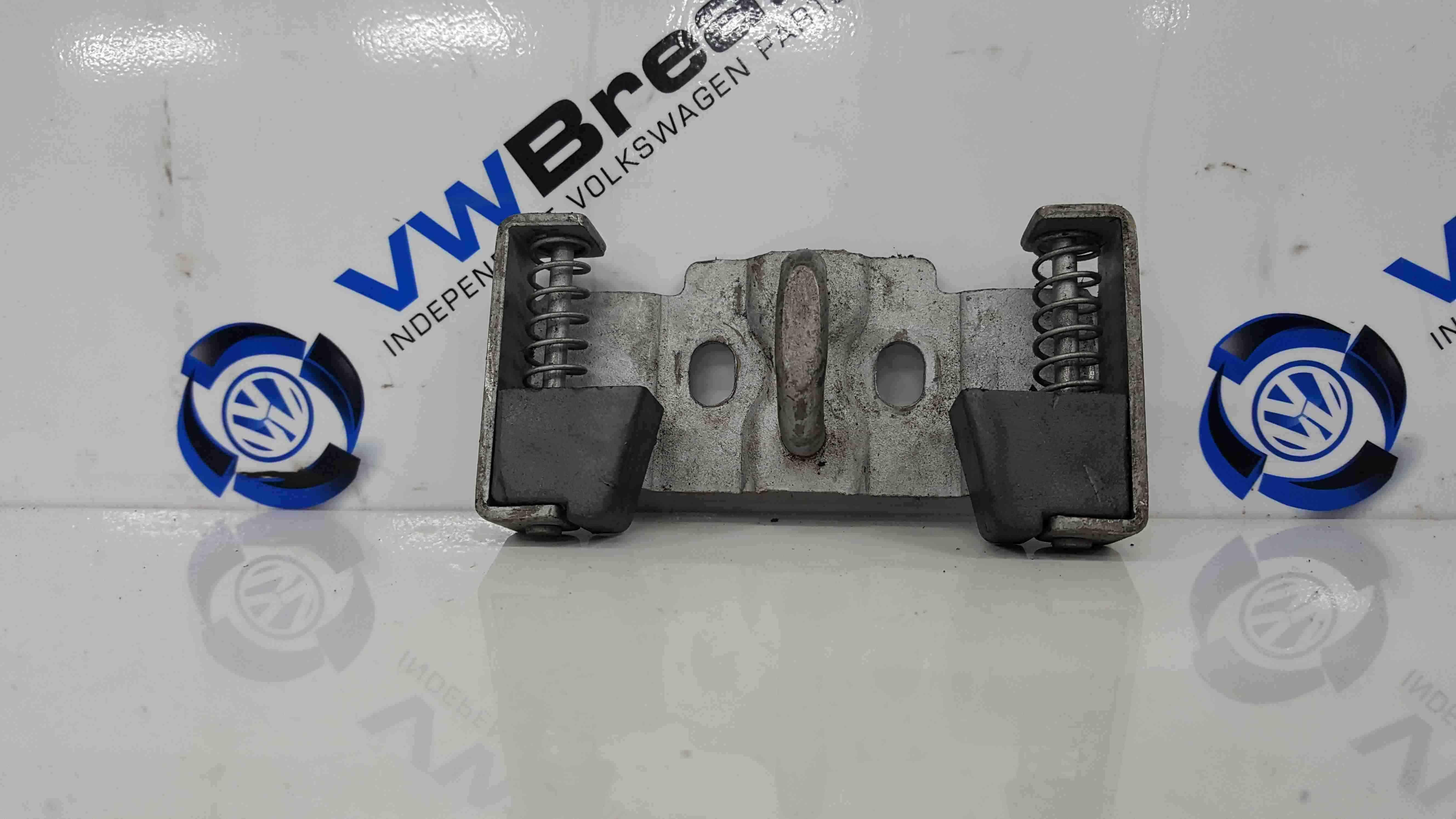 Volkswagen Fox 2005-2011 Boot Latch Striker Plate 5Z6827517A