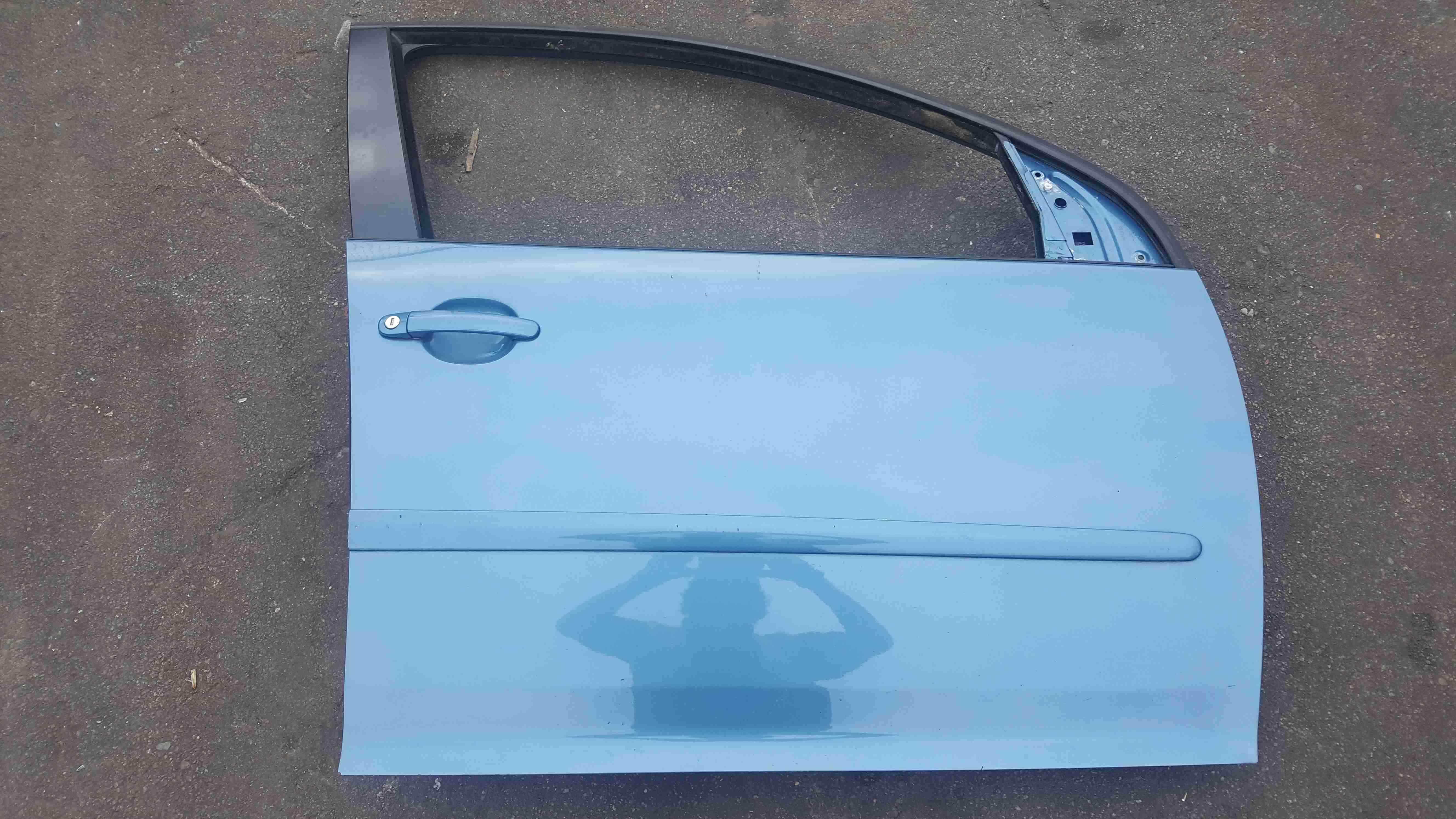 Volkswagen Golf MK5 2003-2009 Drivers OSF Front Door Blue LA5S 5dr