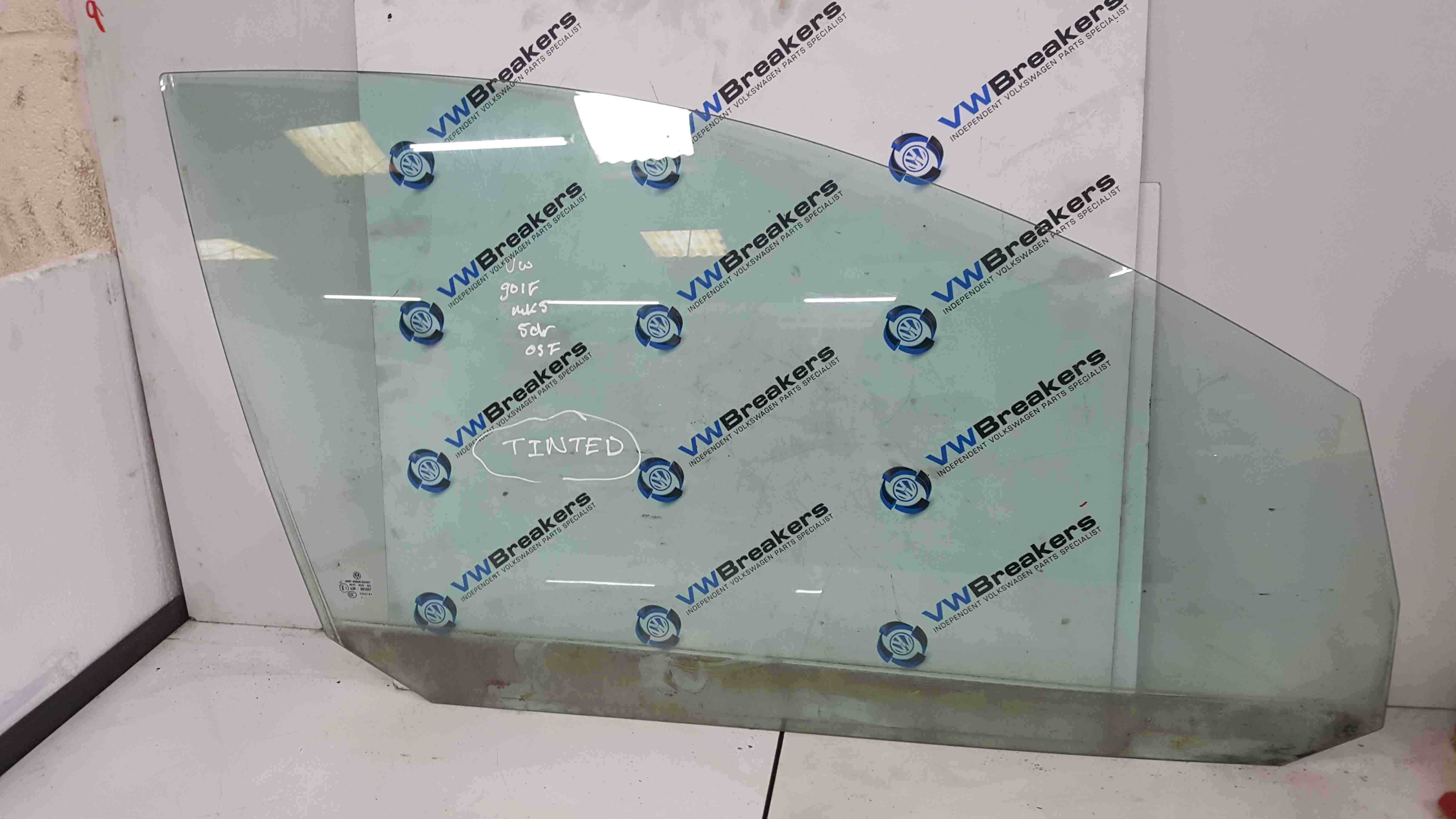 Volkswagen Golf MK5 2003-2009 Drivers OSF Front Window Glass 5dr Fact Tinted