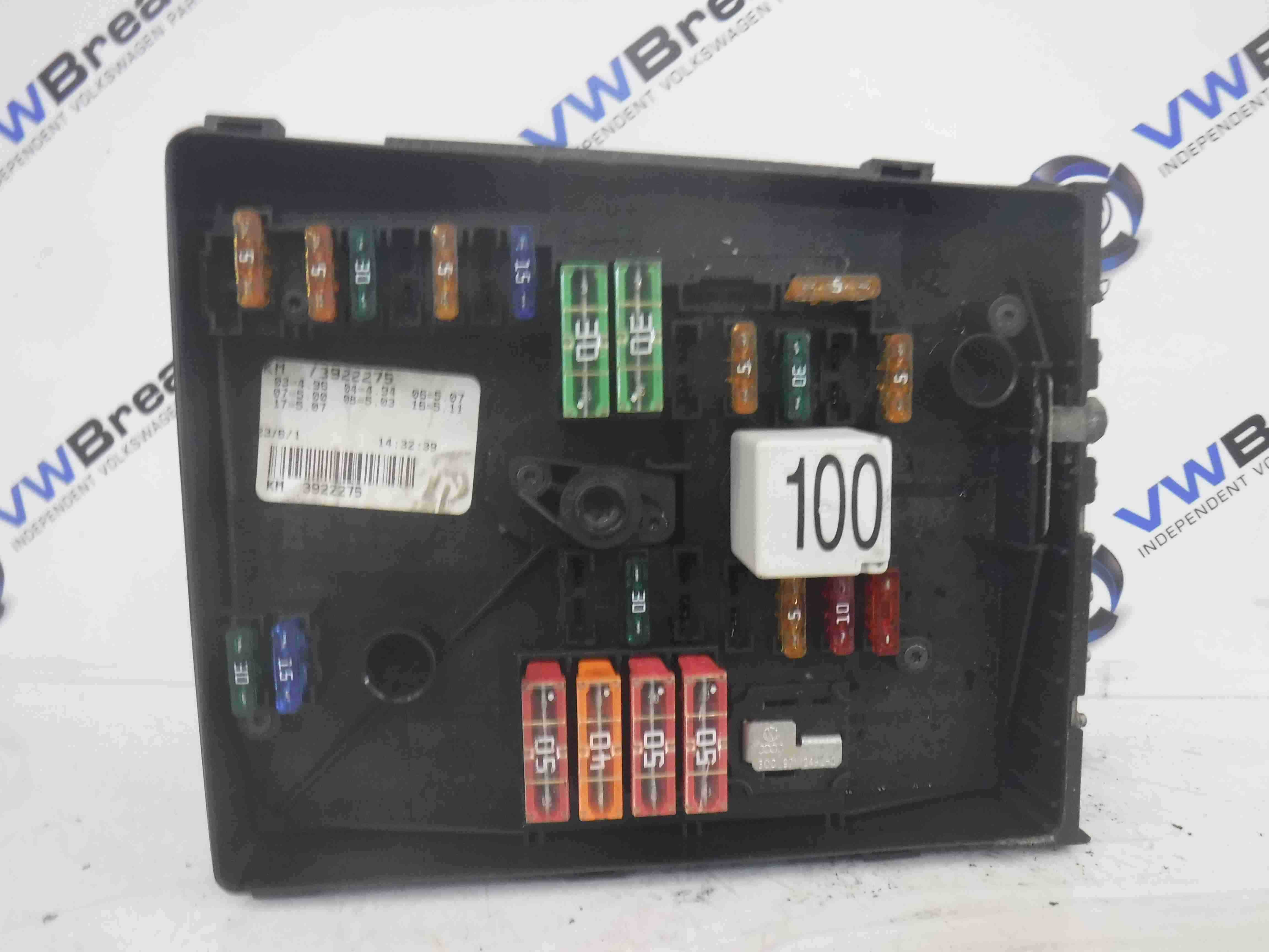 Volkswagen Jetta A5 2005-2011 Engine Bay Fuse Box Relay