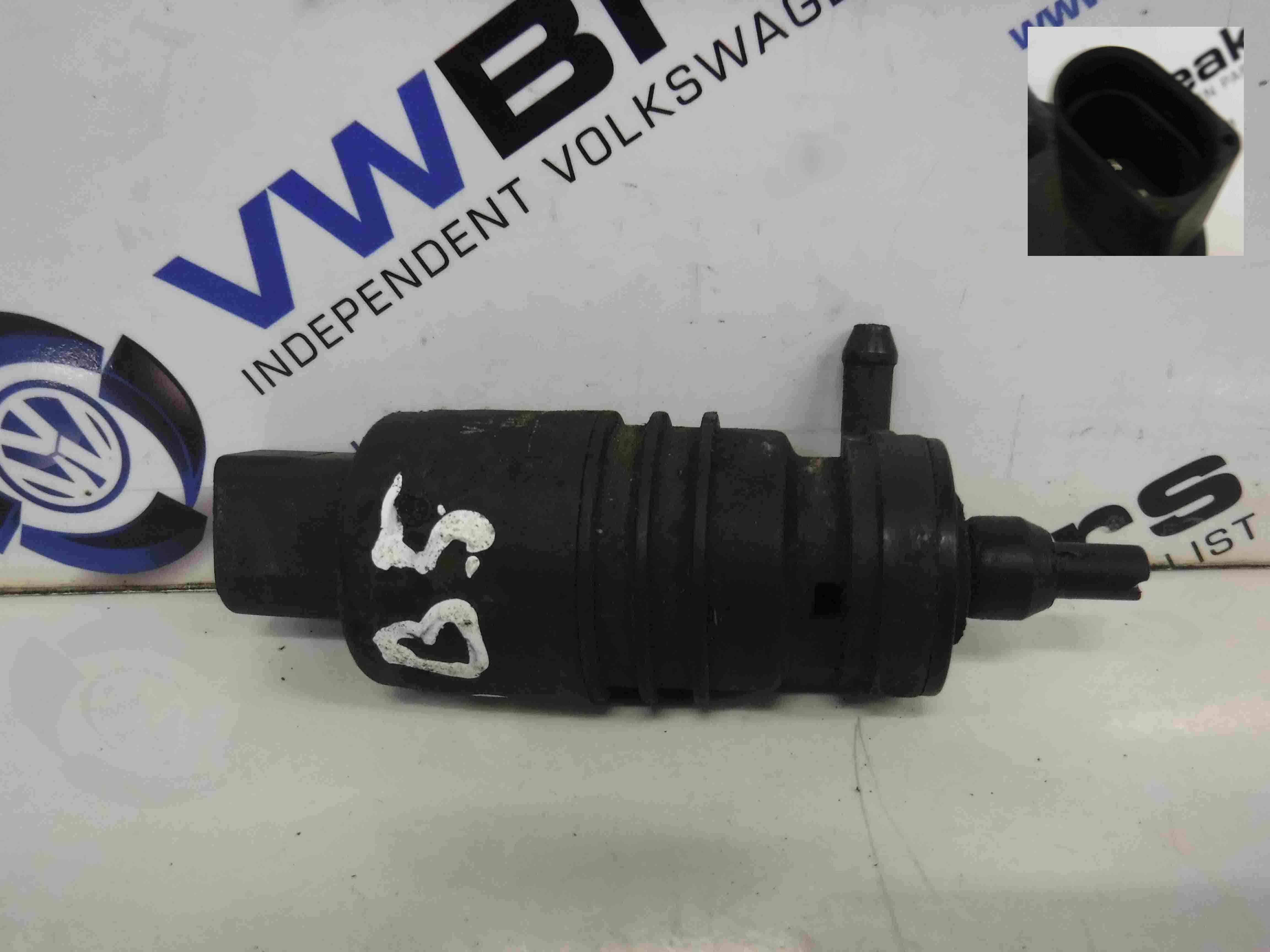 Volkswagen Passat 1996-2000 Windscreen Washer Pump Motor