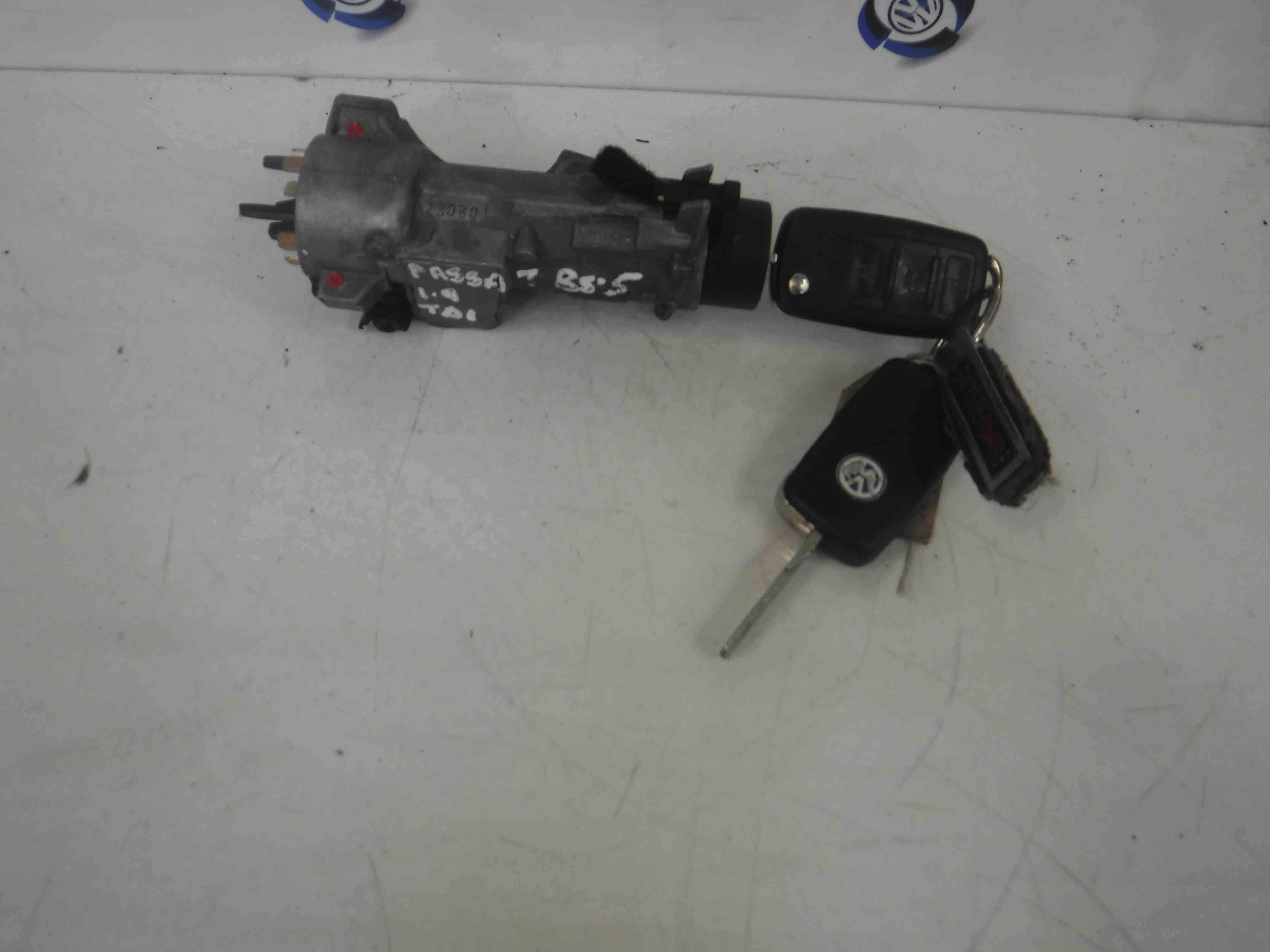 Volkswagen Passat 2001-2005 B5.5 Ignition Barrel  Key 4B0905851C