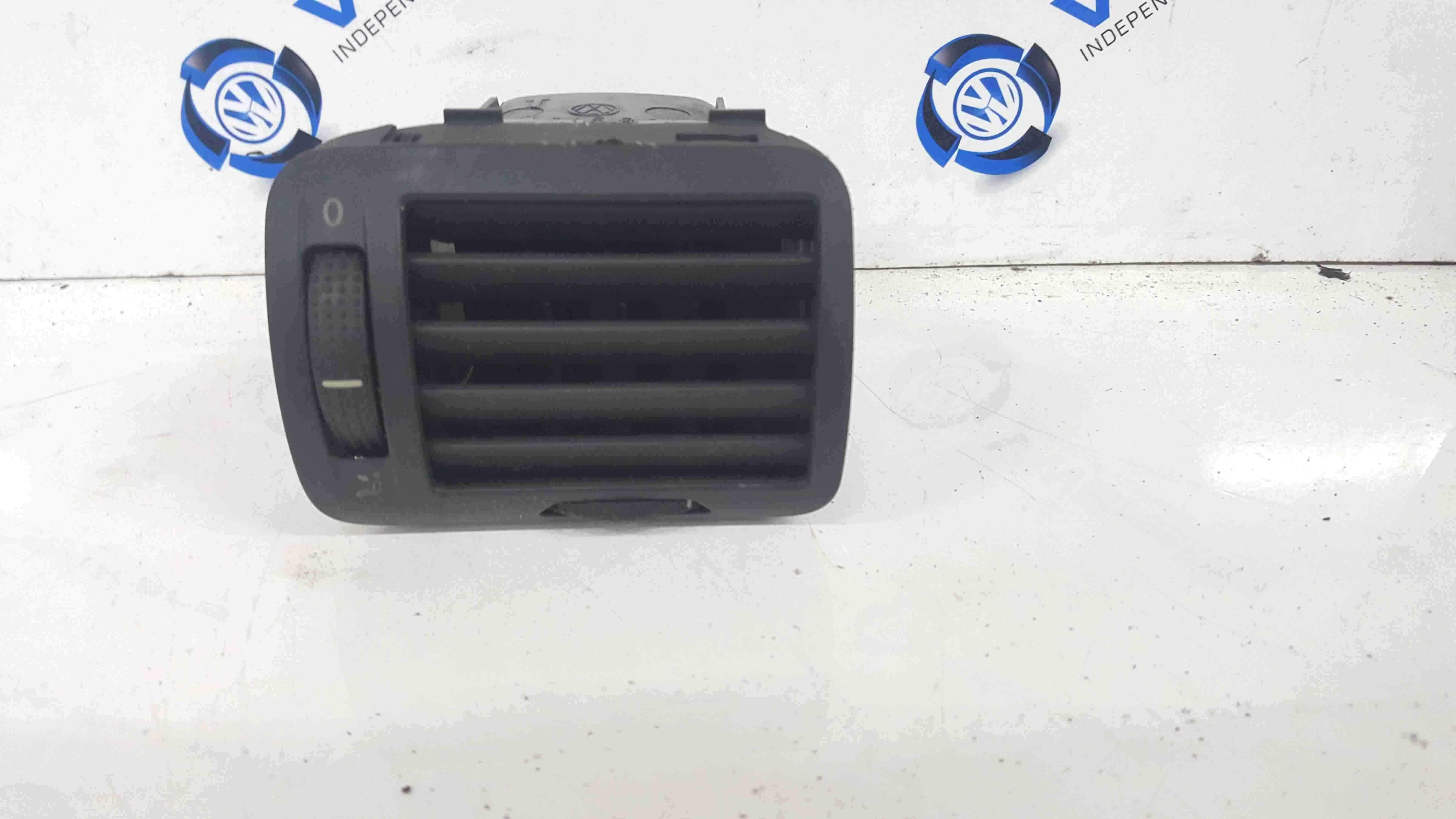 Volkswagen Passat B5.5 2001-2005 Drivers OSF Front Heater Vent