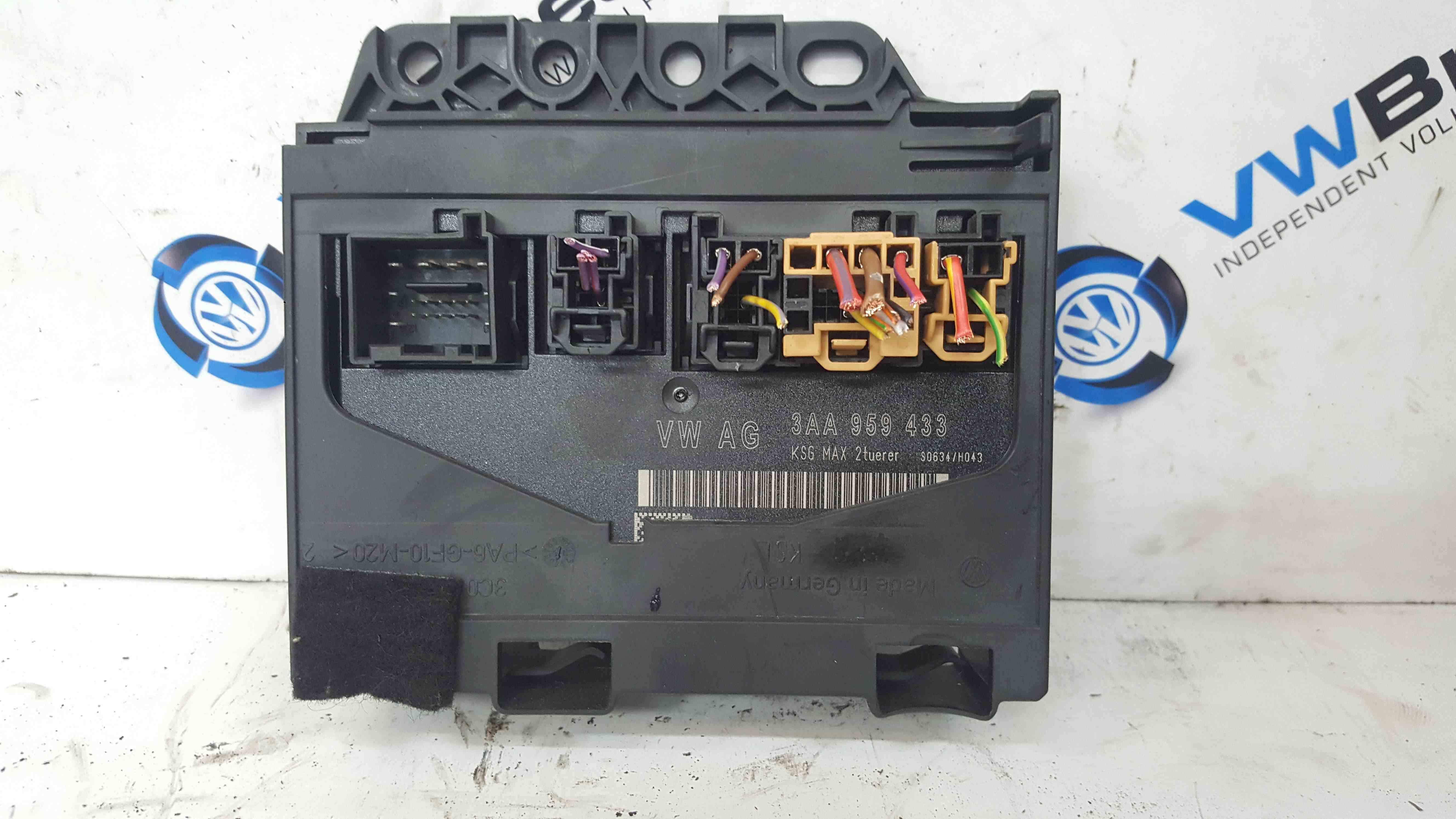 Volkswagen Passat B7 2010-2015 Body Control Module On Board Box 3AA959433