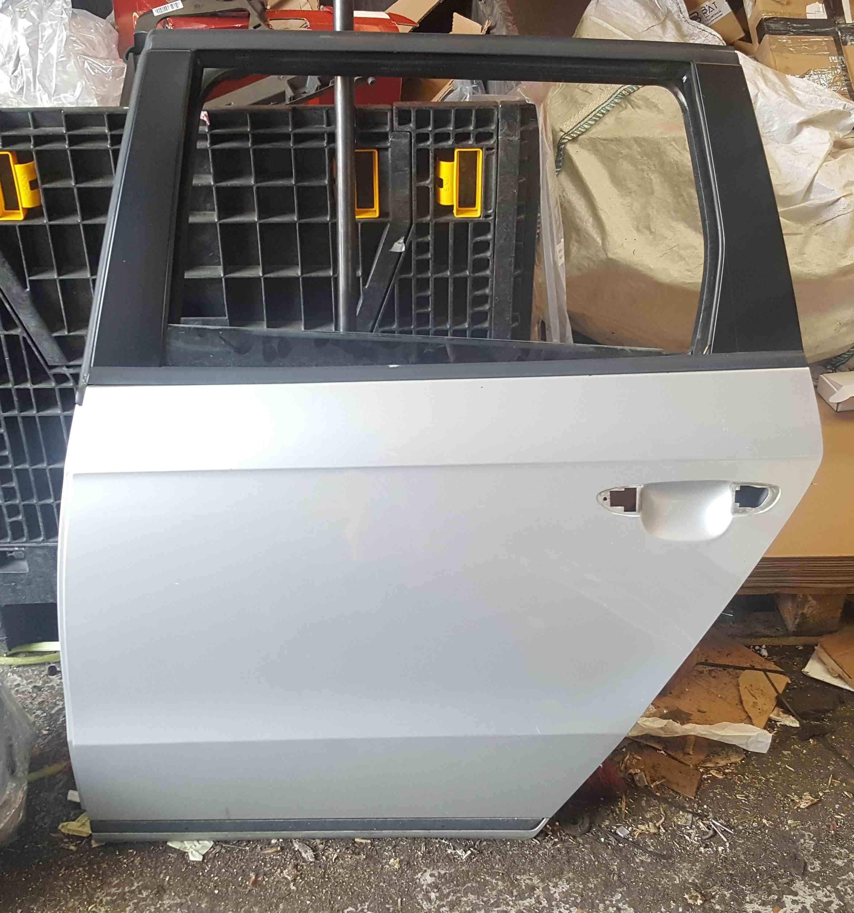 Volkswagen Passat B7 Estate 2010-2015 Passenger NSR Rear Door Silver LA7W