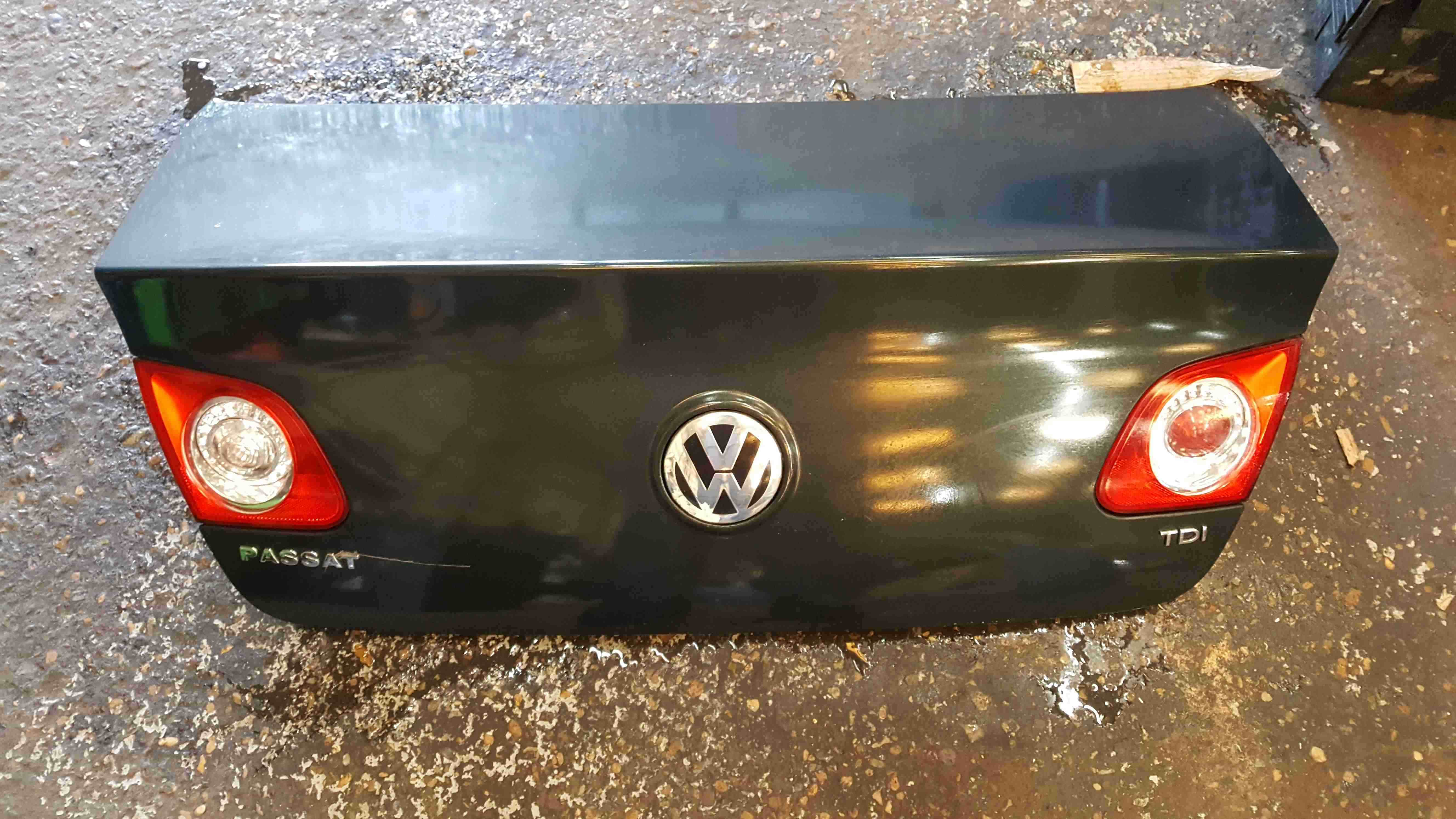 Volkswagen Passat Saloon B6 2005-2010 Rear Boot Tailgate Lid Green Grey LC6S