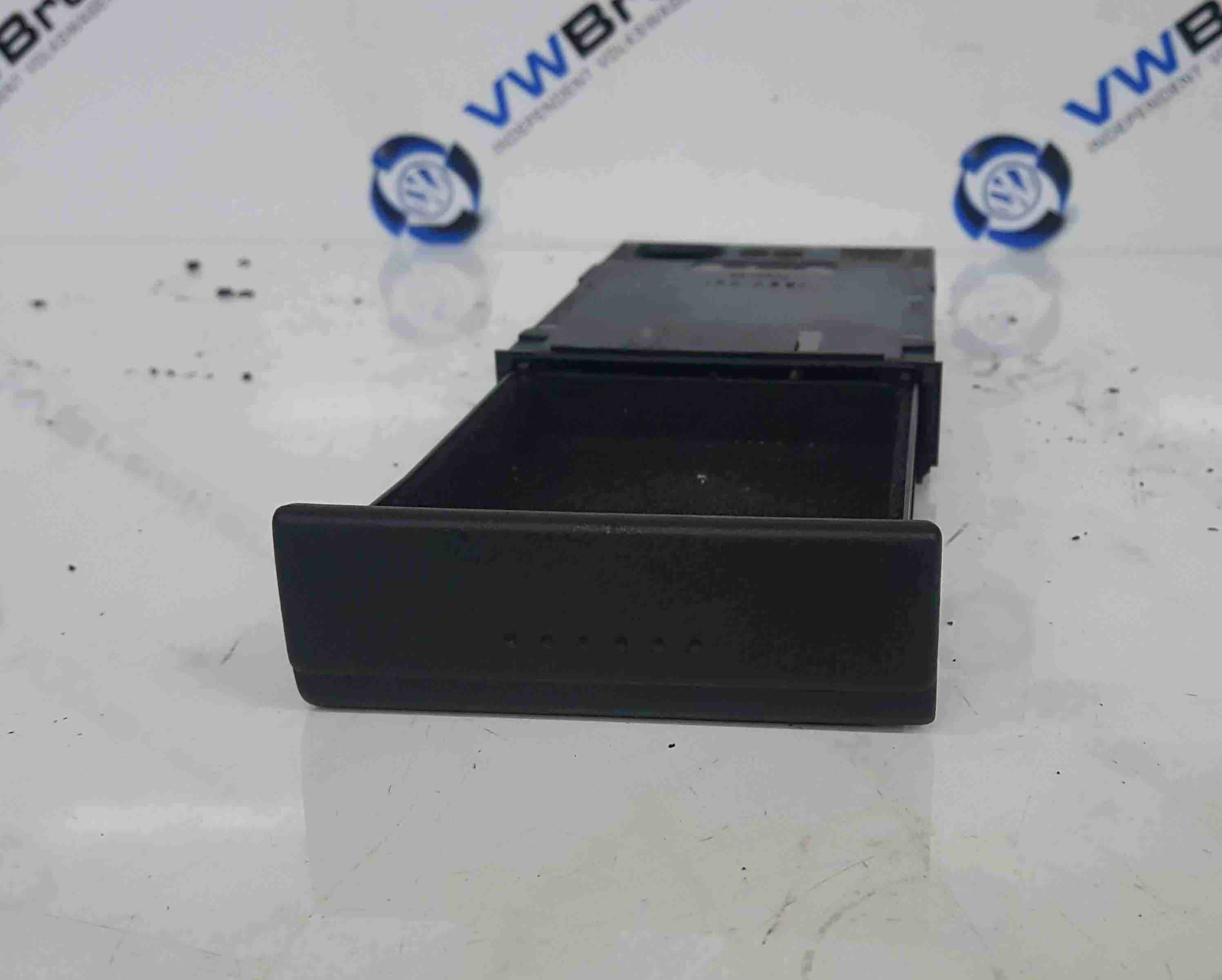 Volkswagen Polo 6N2 1999-2003 Compartment Tray 6N0858373