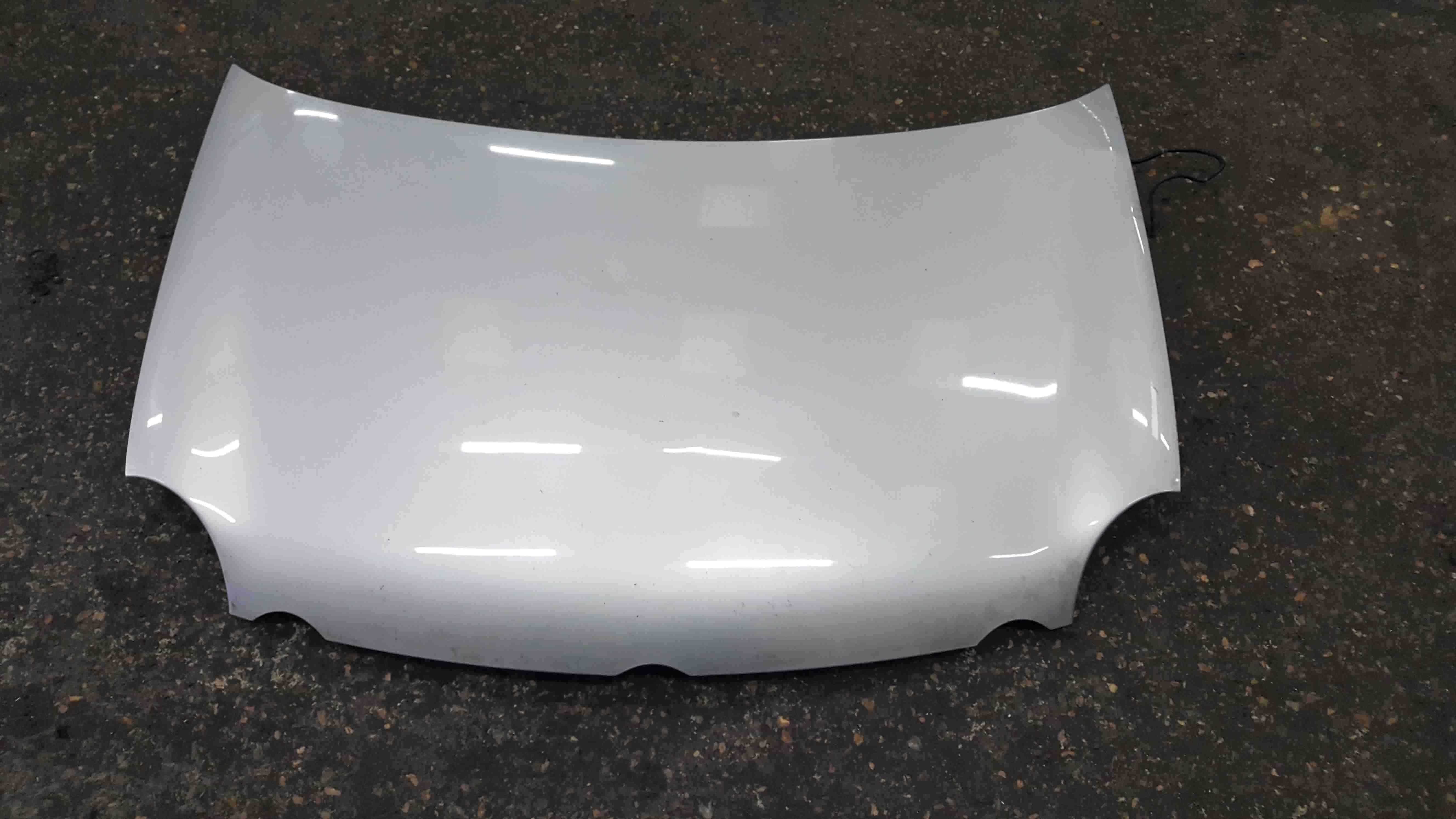 Volkswagen Polo 9N 2003-2006 Front Bonnet Silver LA7W