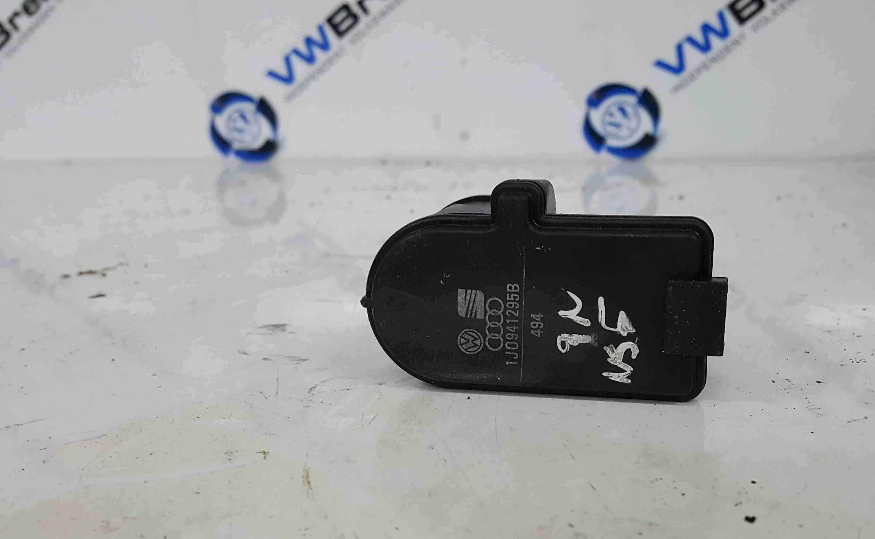 Volkswagen Polo 9N 2003-2006 Headlight Adjuster Levelling Sensor 1J0941295B