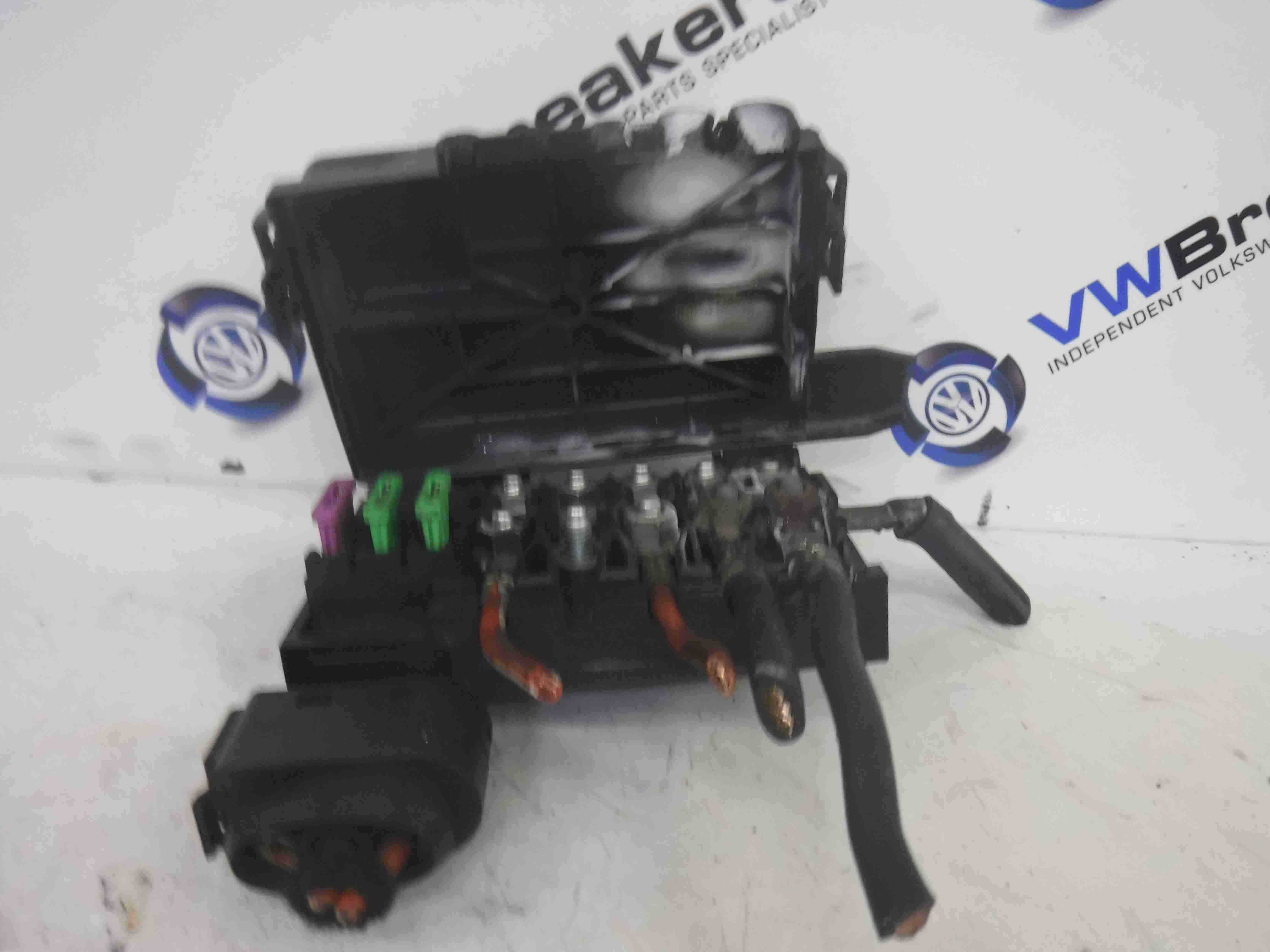 Volkswagen Sharan 2000 2009 Engine Bay Battery Fuse Box Terminal Vw Conpartment Store Used Parts Uk Breakers