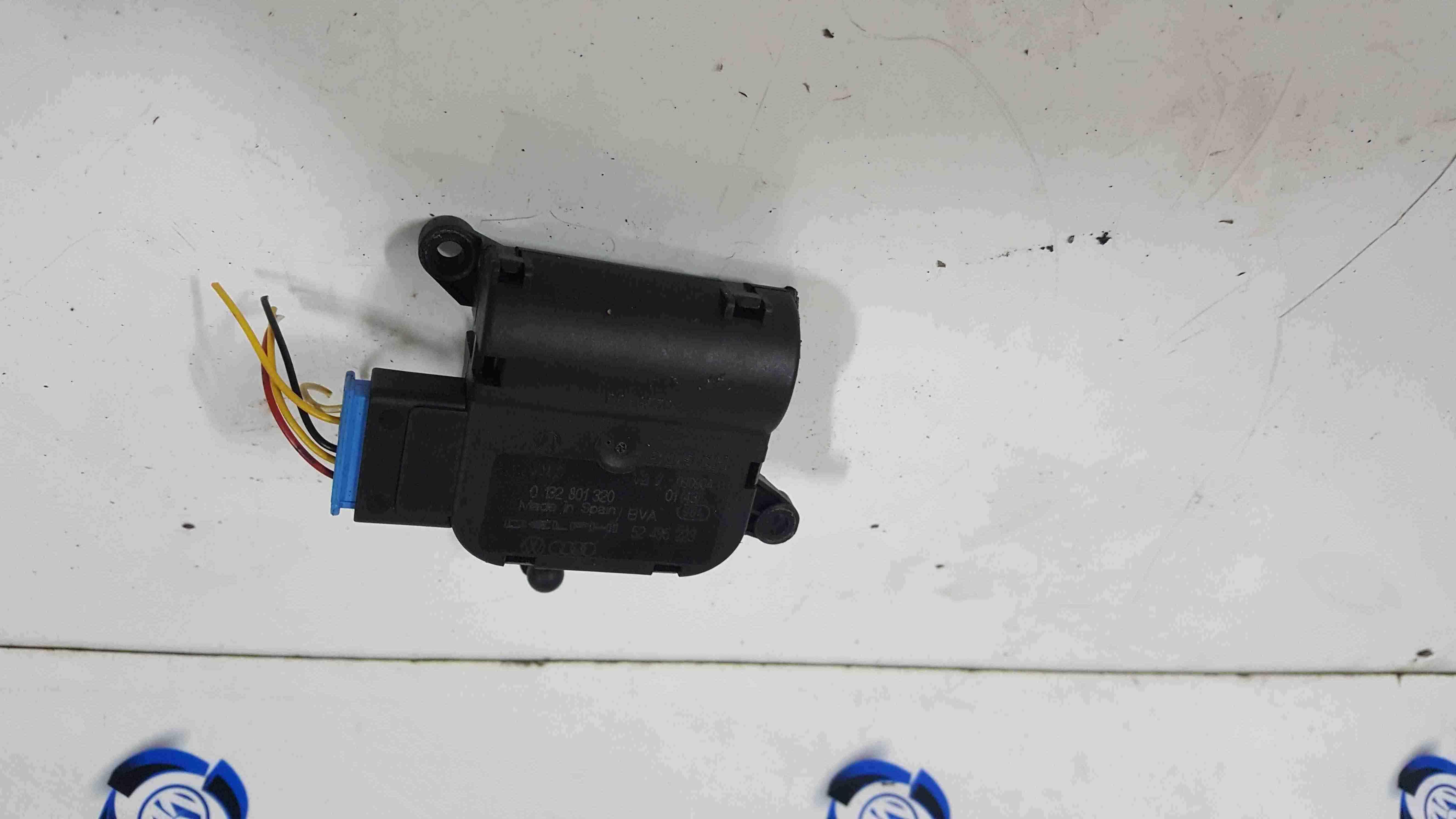 Volkswagen Touareg 2002-2007 Heater Actuator Solenoid 0132801320