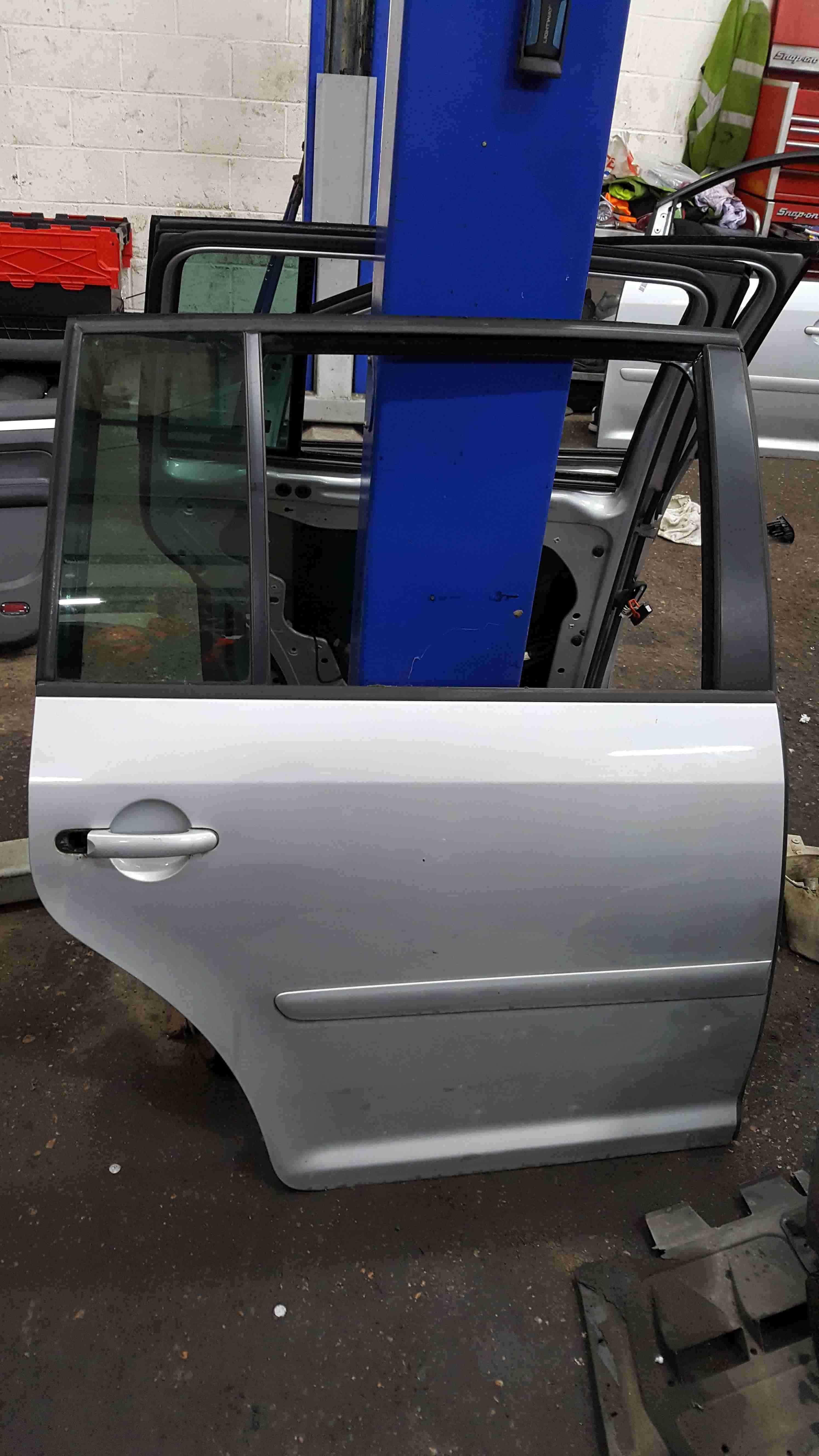 Volkswagen Touran 2003-2006 Drivers OSR Rear Door Silver LA7W