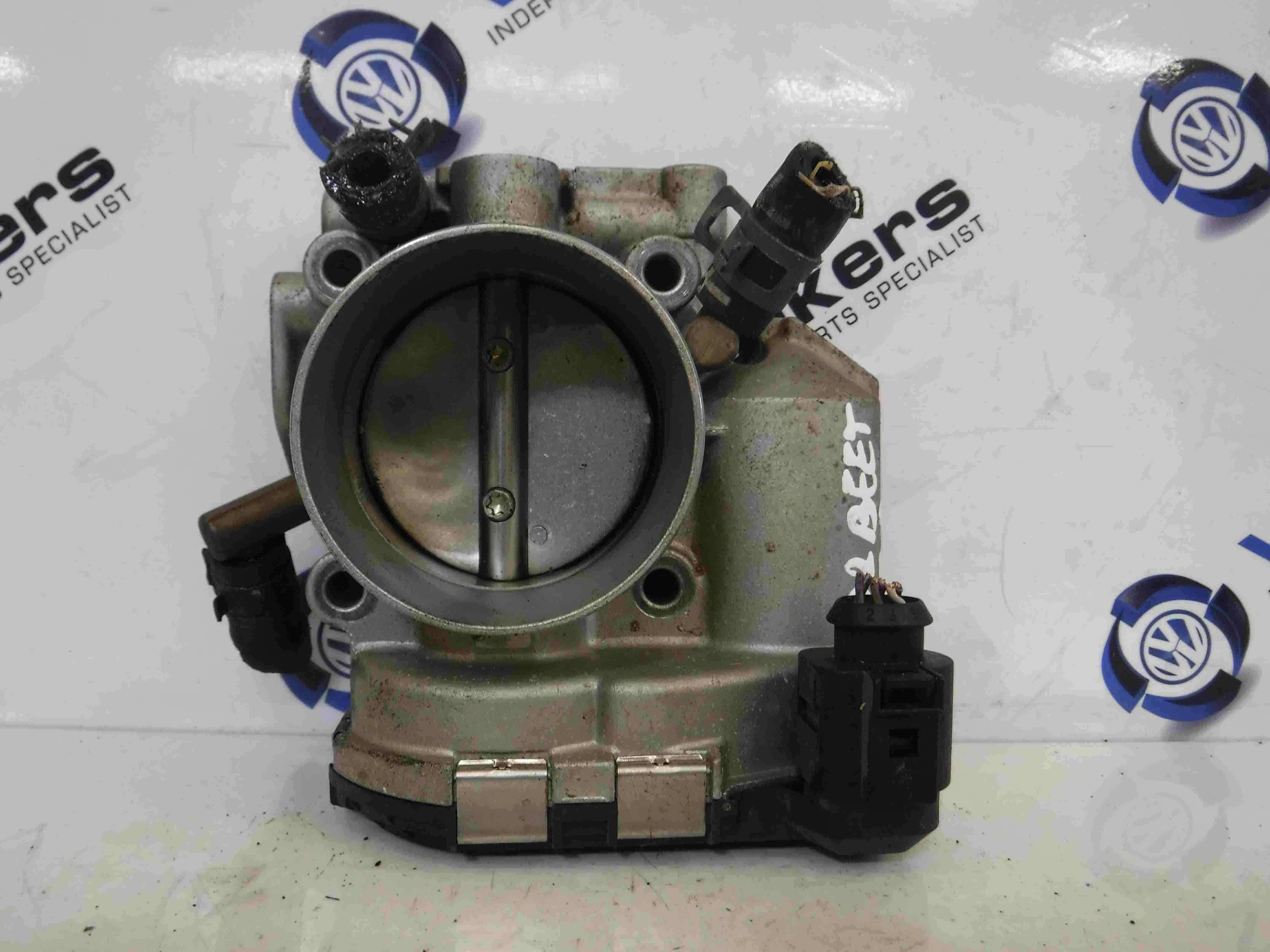 Volkswagen Beetle 1999-2006 2.0 8v Throttle Body 06A133062D