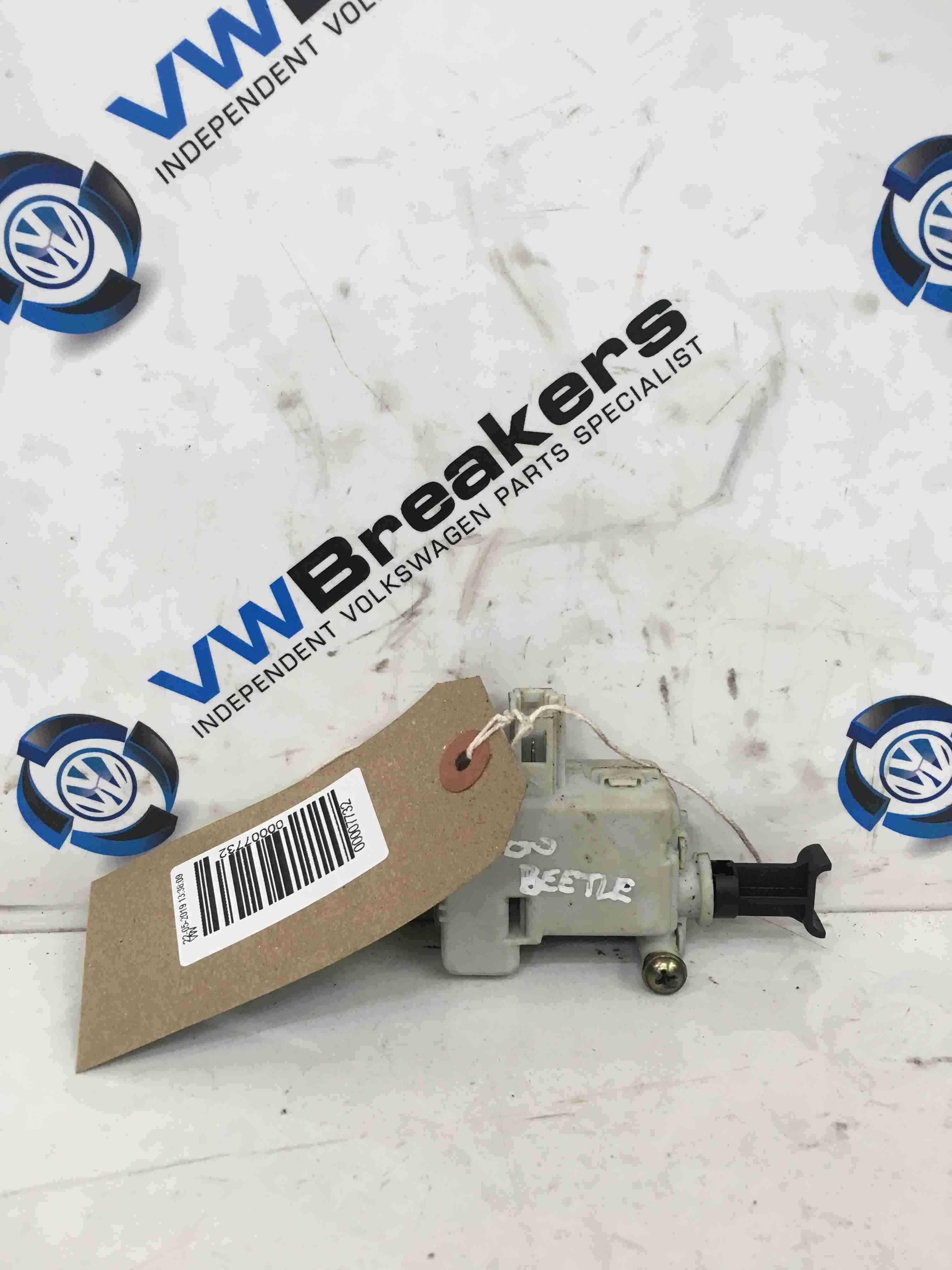 Volkswagen Beetle 1999-2006 Fuel Flap Lock Solenoid 3B0959781A