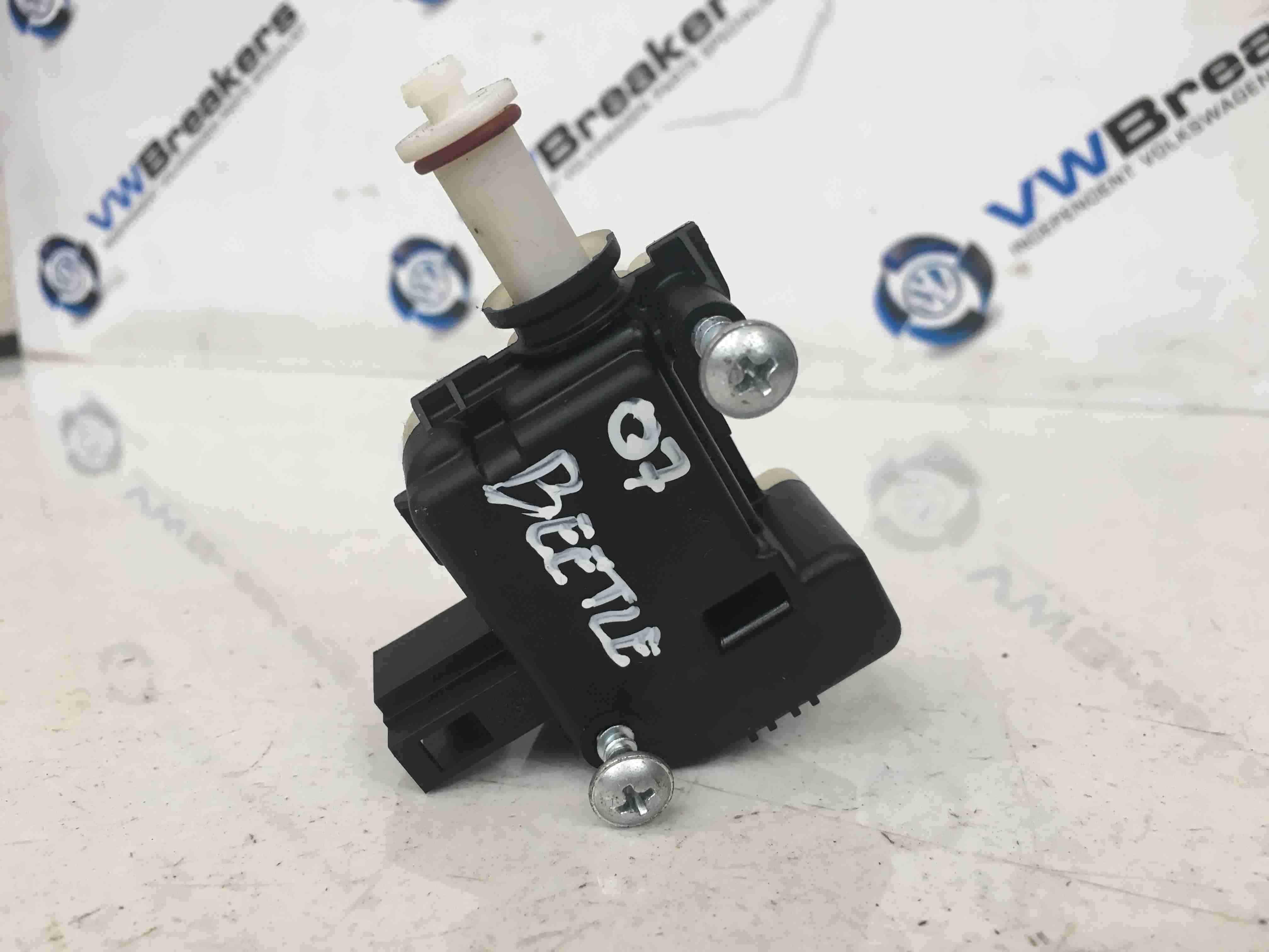 Volkswagen Beetle 2006-2011 Fuel Flap Solenoid Actuator 1C0810773 1K5959782