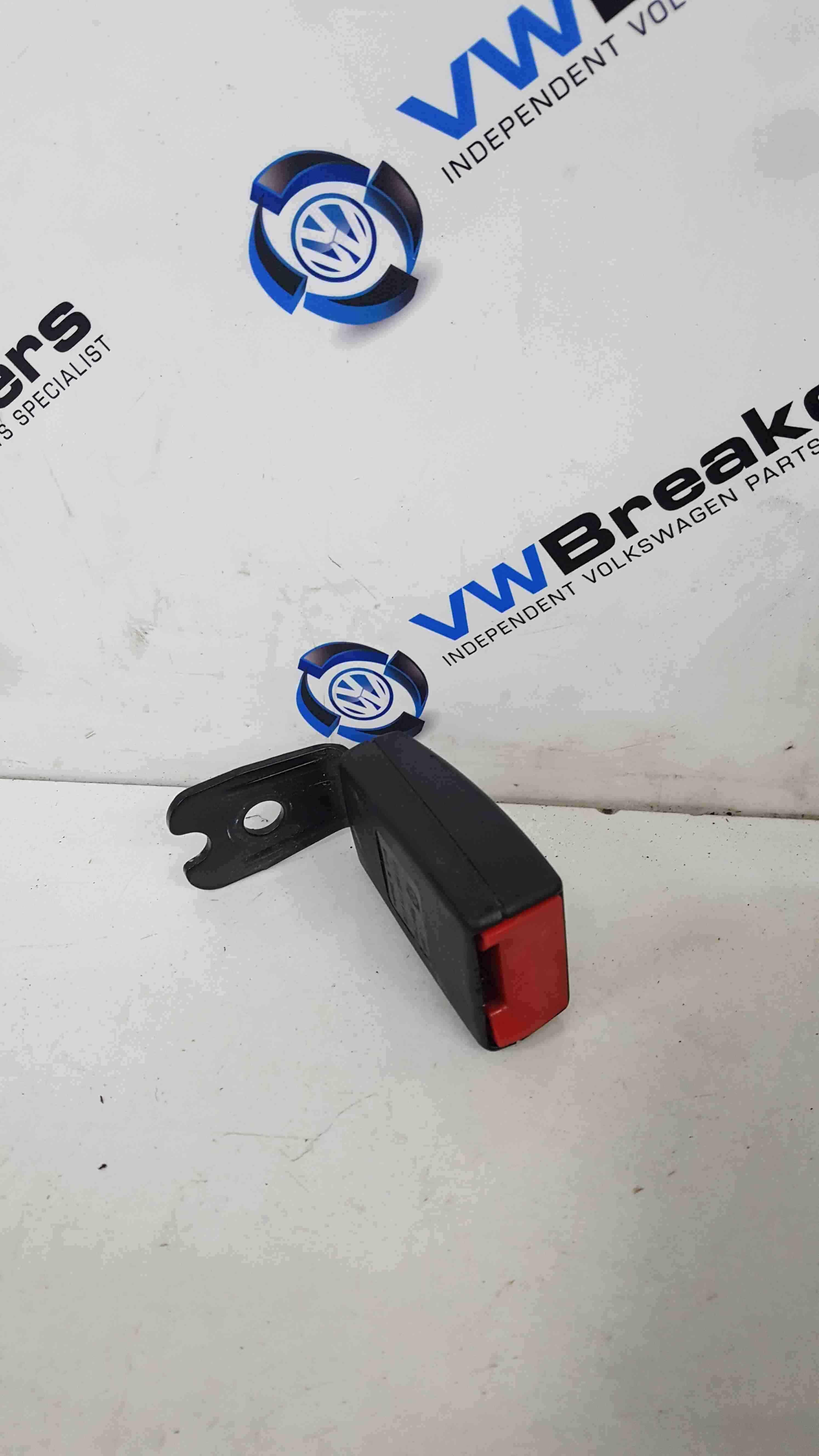 Volkswagen Beetle Convertible 1999-2006 Drivers OSR Rear Seat Belt Buckle Clip