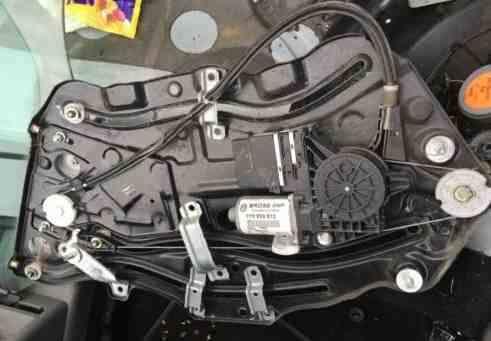 Volkswagen Beetle Convertible 2002-2011 Drivers OSR Window Motor  Regulator