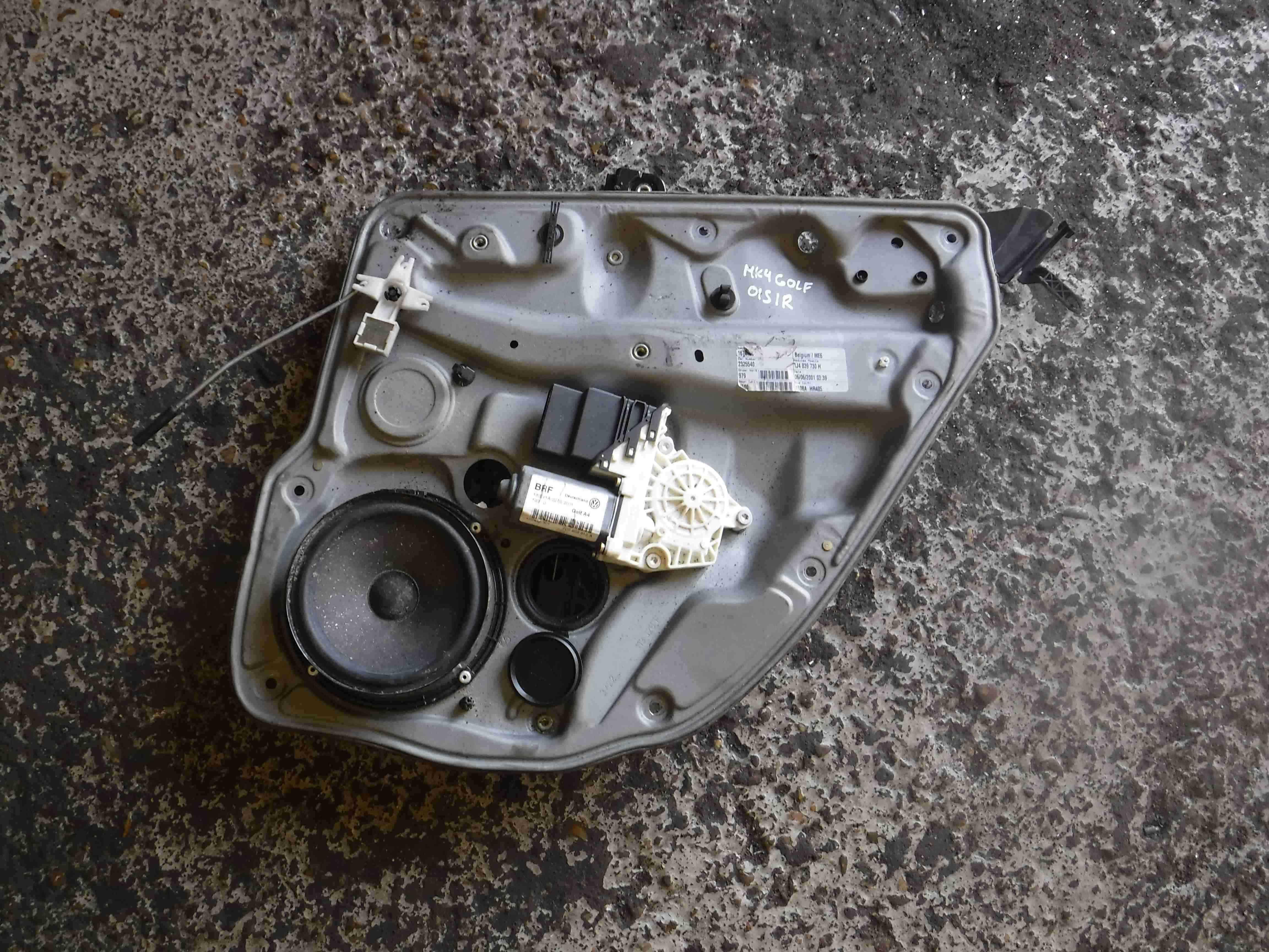 Volkswagen Golf MK4 1997-2004 Drivers OSR Rear Window Motor Regulator 1J4839730F