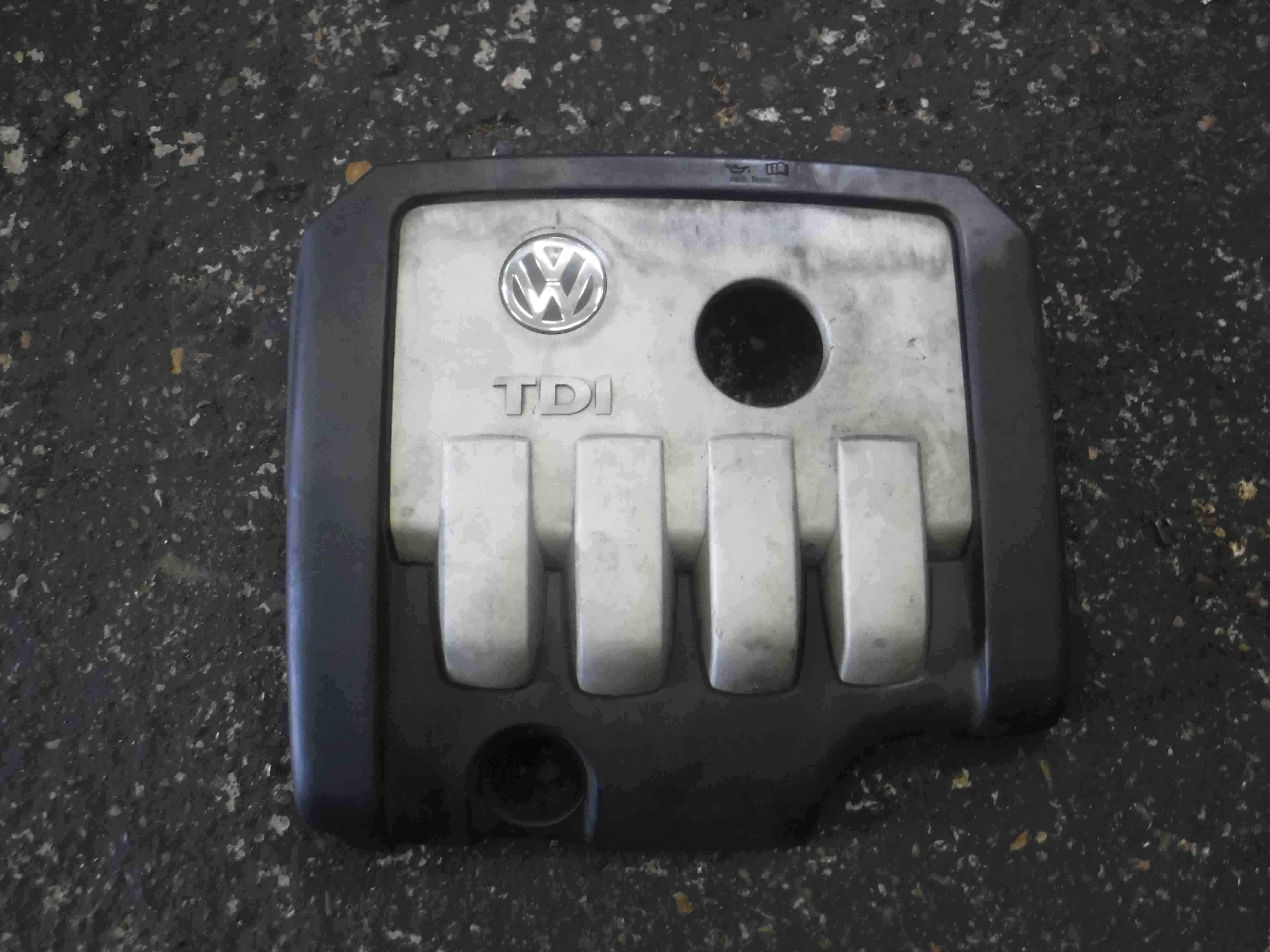 Volkswagen Golf MK5 2003-2009 2.0 TDi Engine Cover Plastic 03G103925C