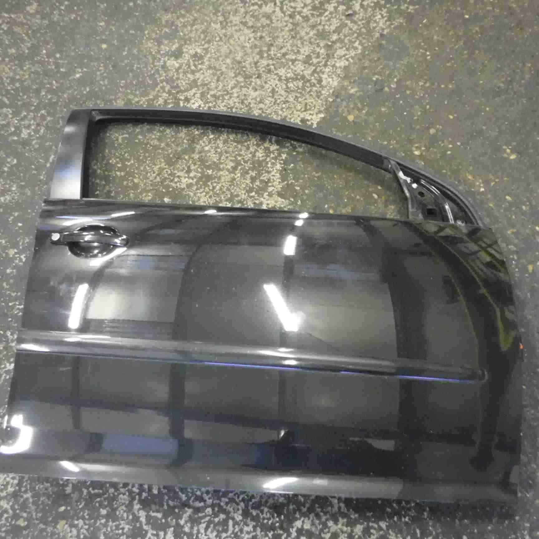 Volkswagen Golf MK5 2003-2009 Drivers OSF Front Door Black LC9Z 5dr