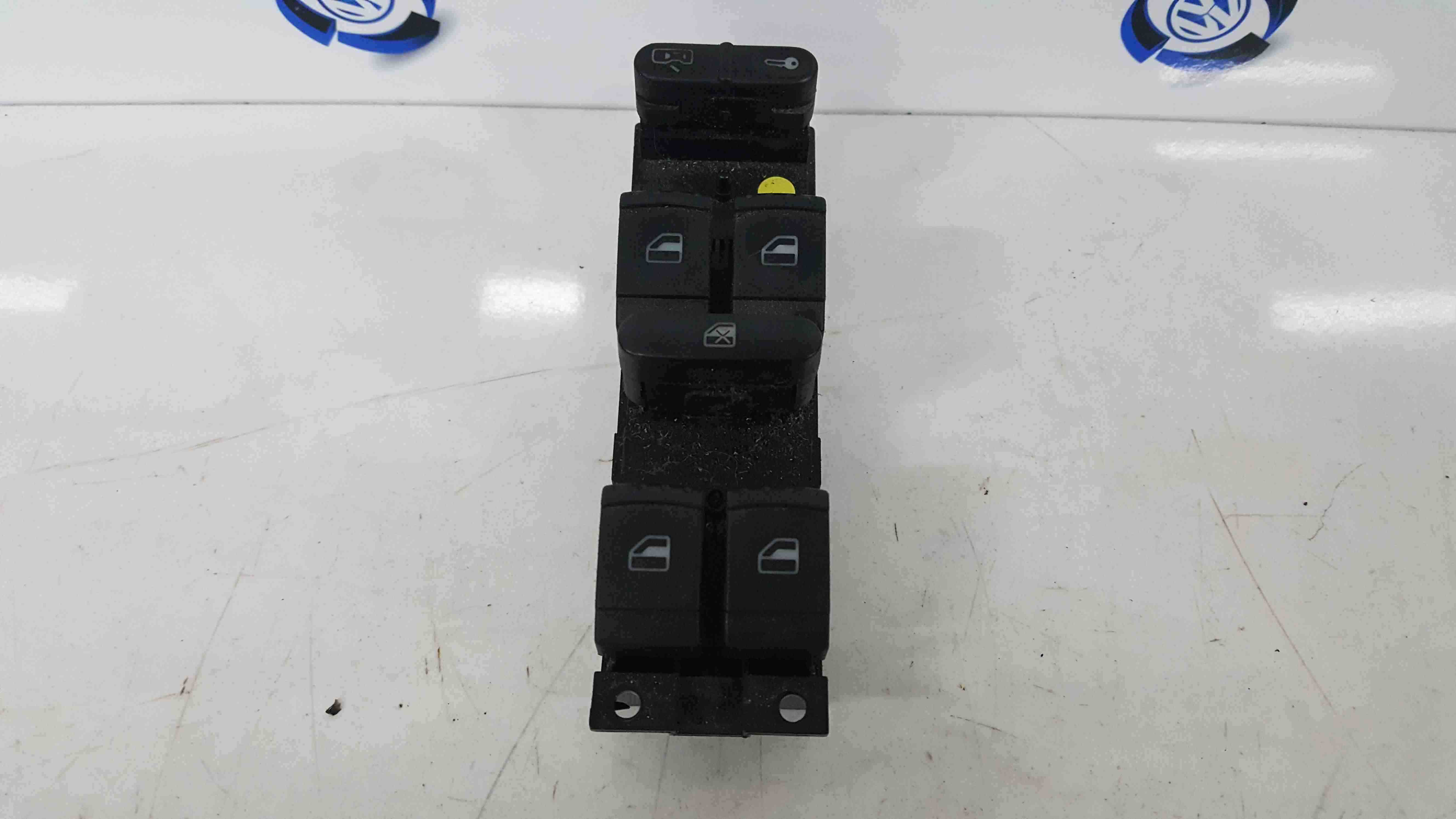 Volkswagen Golf MK5 2003-2009 Drivers OSF Front Window Switches Panel 1J4959857C