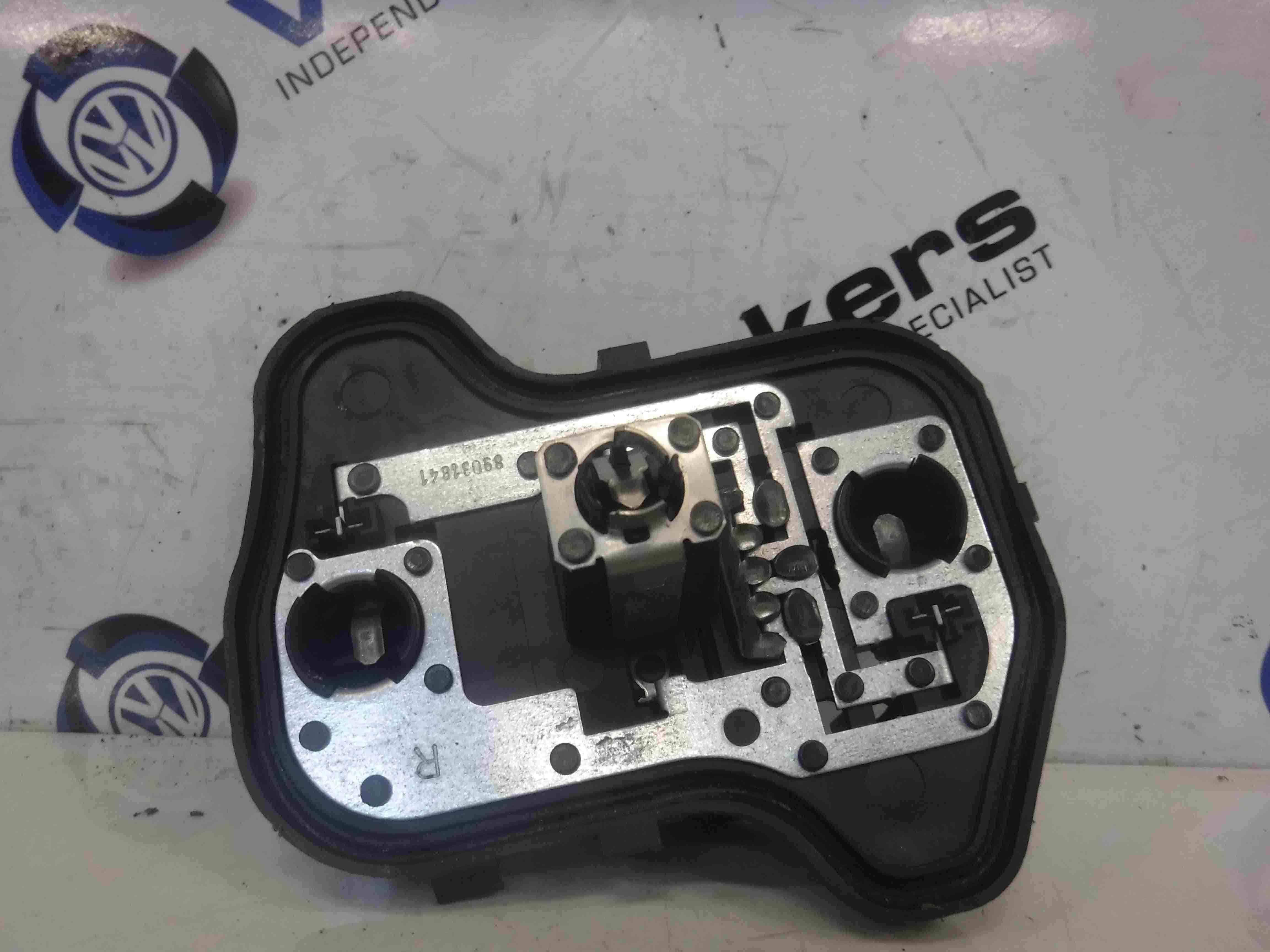 Volkswagen Golf MK5 2003-2009 Drivers OSR Rear Body Light Bulb Holder 1k6945258