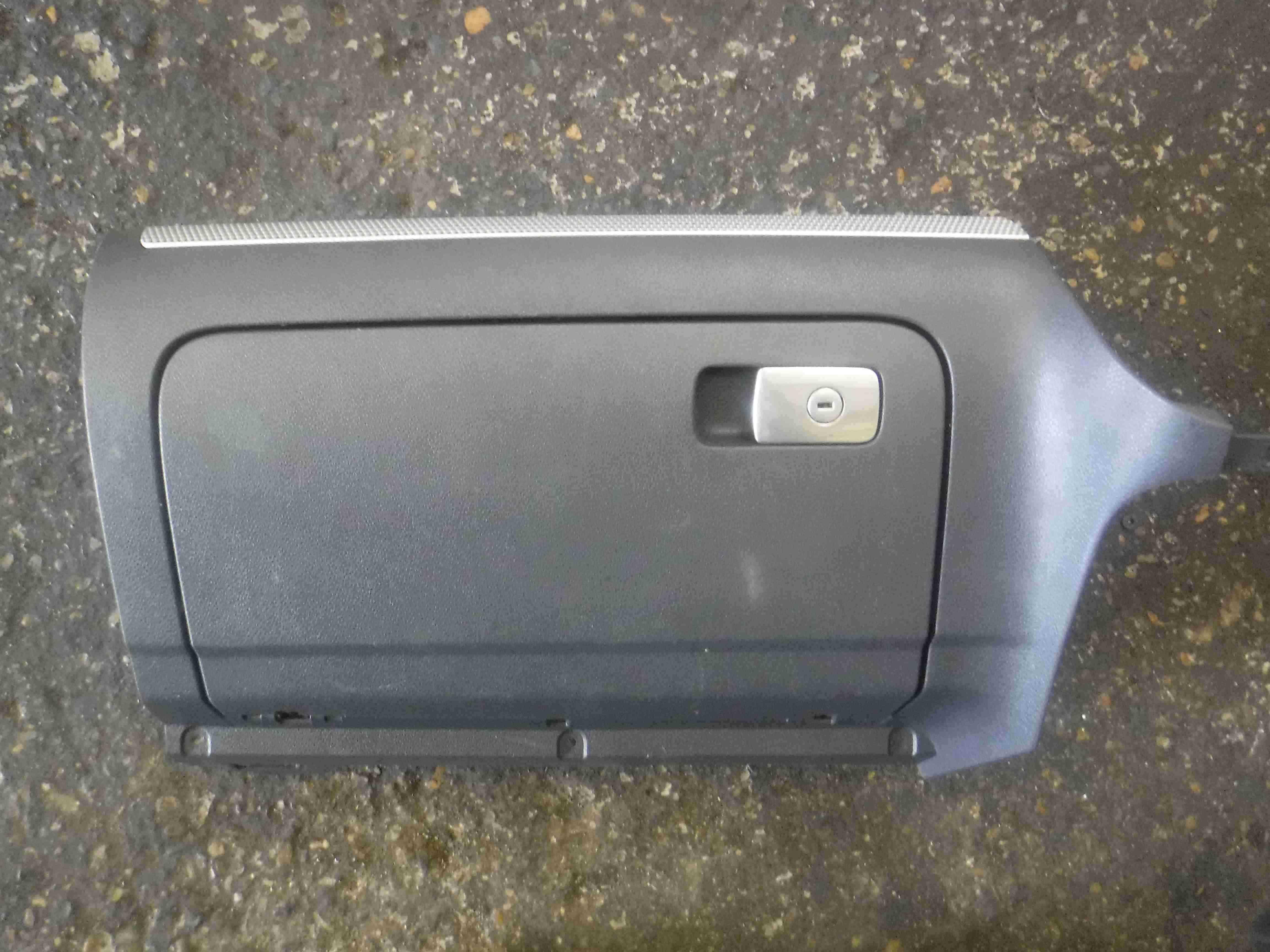 Volkswagen Golf MK5 R32 2003-2009 Dashboard Glove Box Compartment 1K2857290