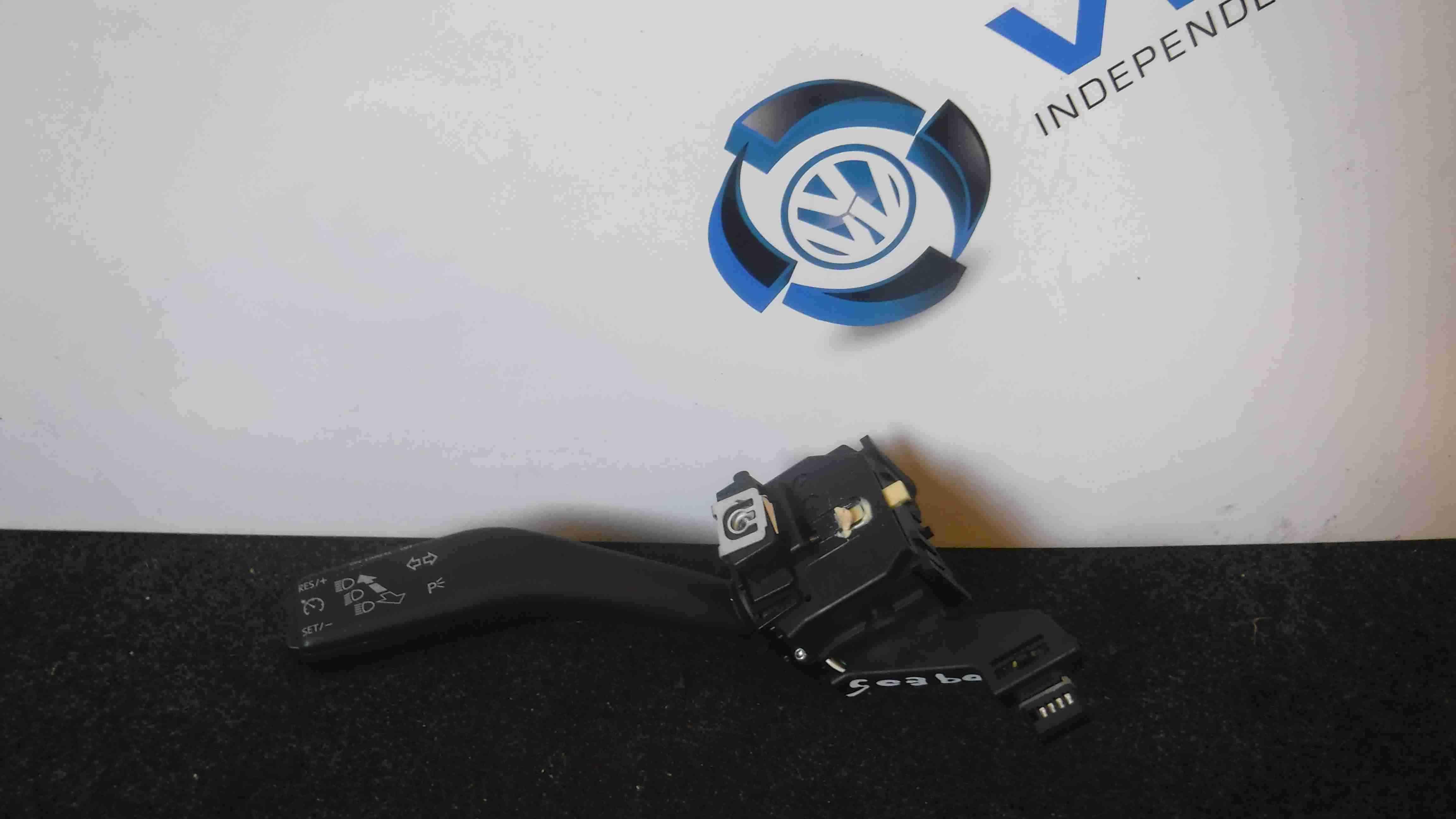 Volkswagen Golf MK6 2009-2012 MK5 Estate Indicator Headlight Stalk 1K0953513G