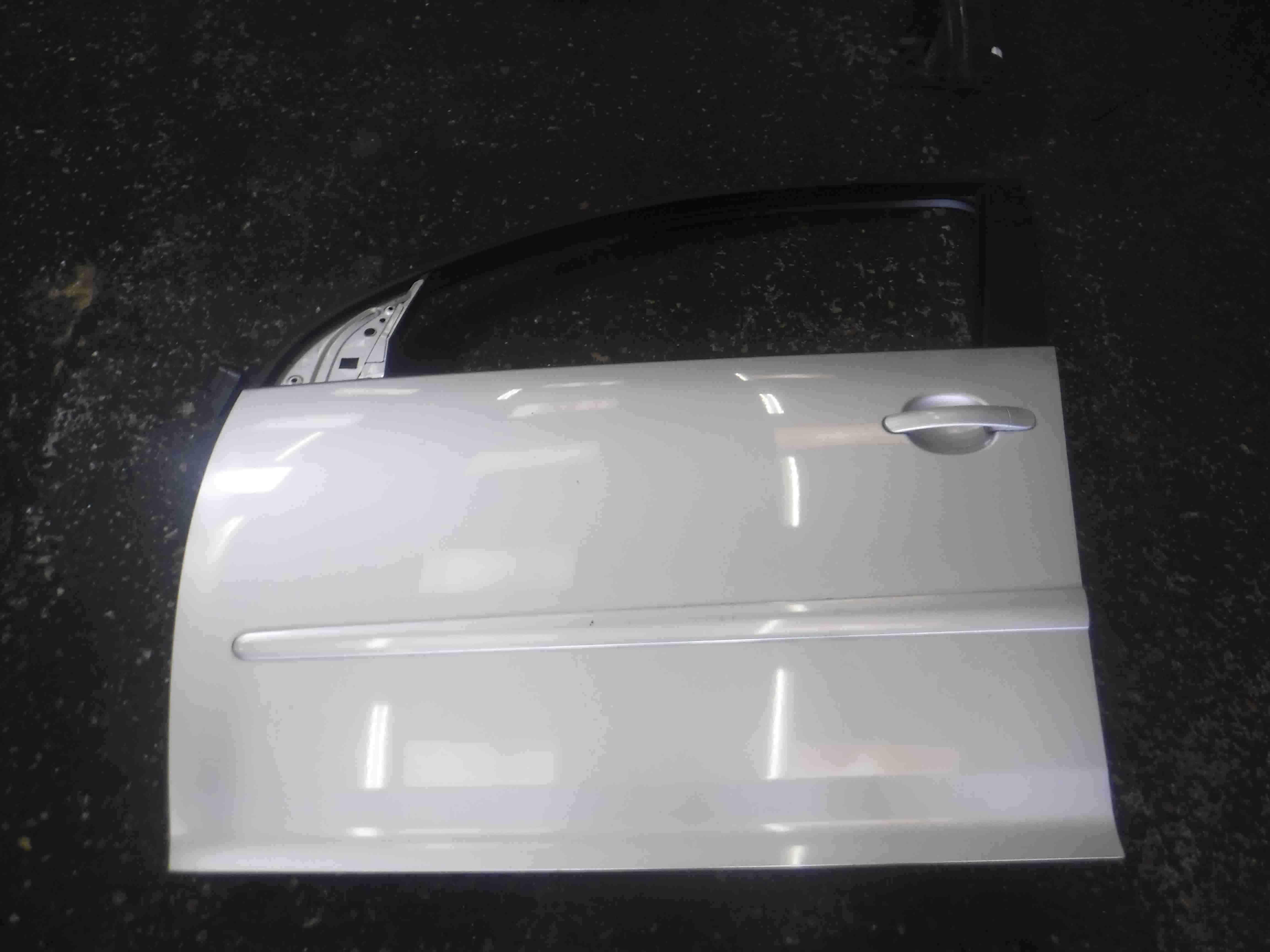 Volkswagen MK5 Golf 2003-2009 Passenger NSF Front Door Silver LA7W 5dr