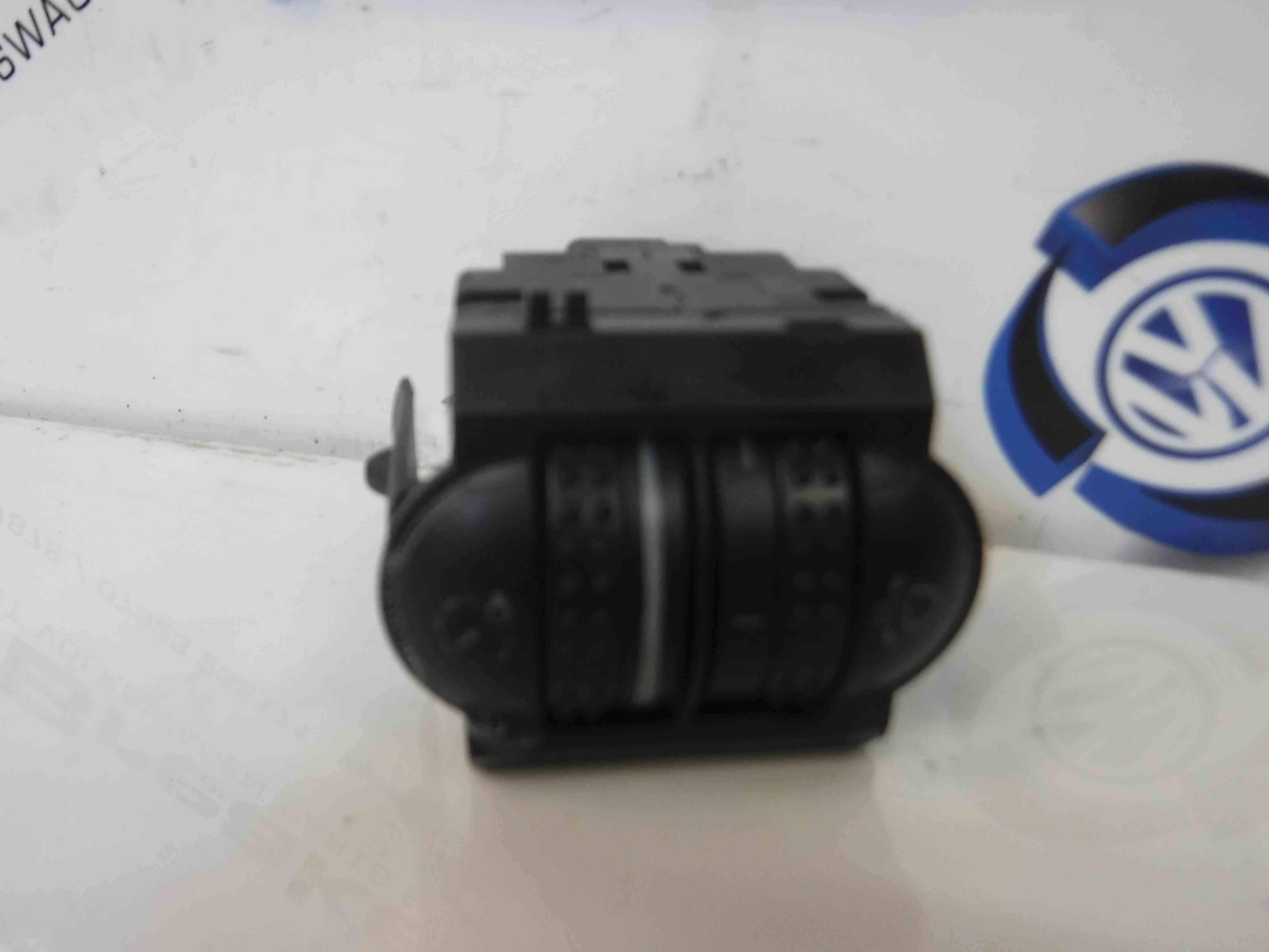 Volkswagen Passat 2001-2005 Headlight Switch Panel Adjuster 3B0941333c