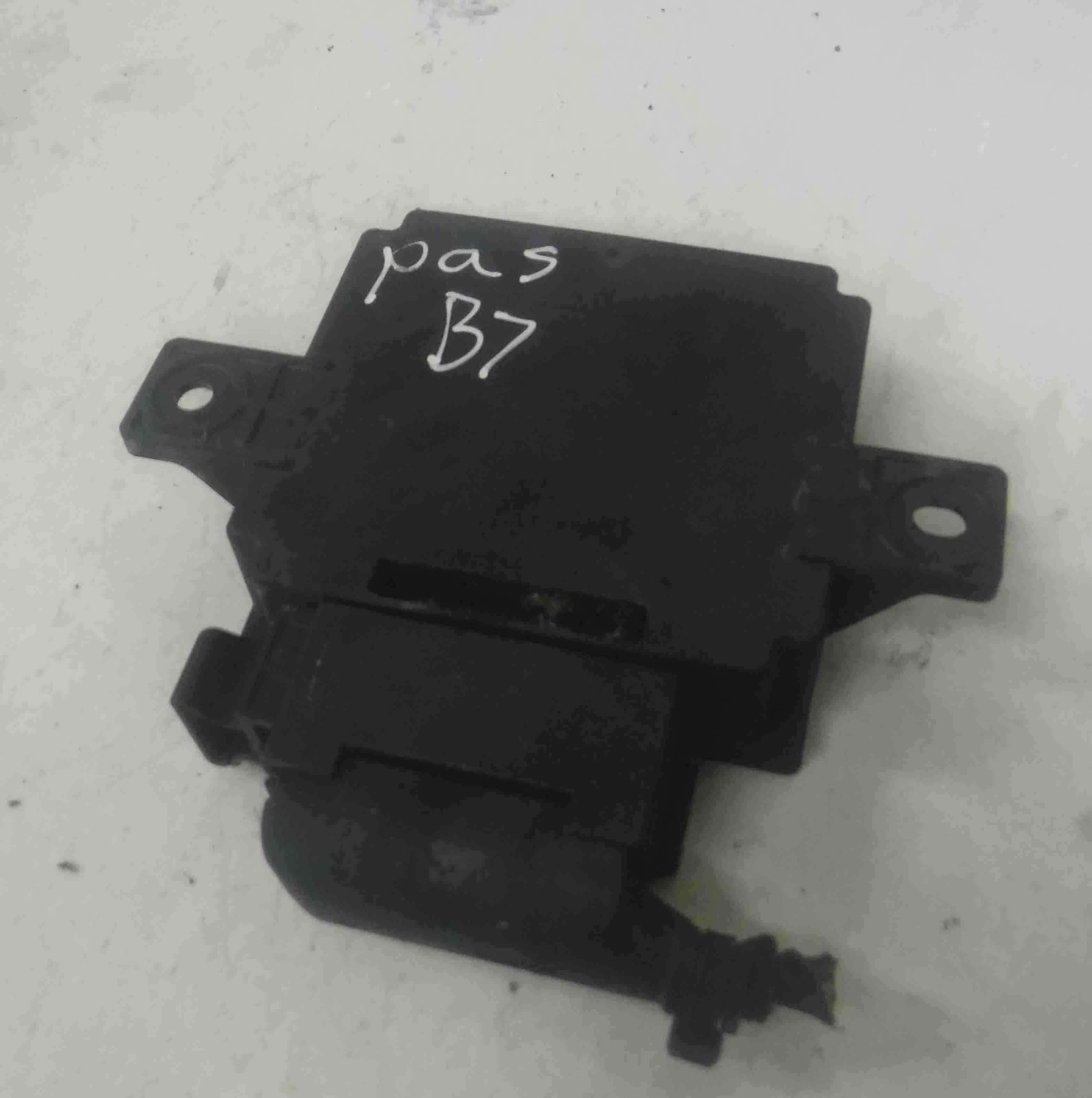 Volkswagen Passat B7 2010-2015 Voltage Stabilizer Control Module 3AA919041