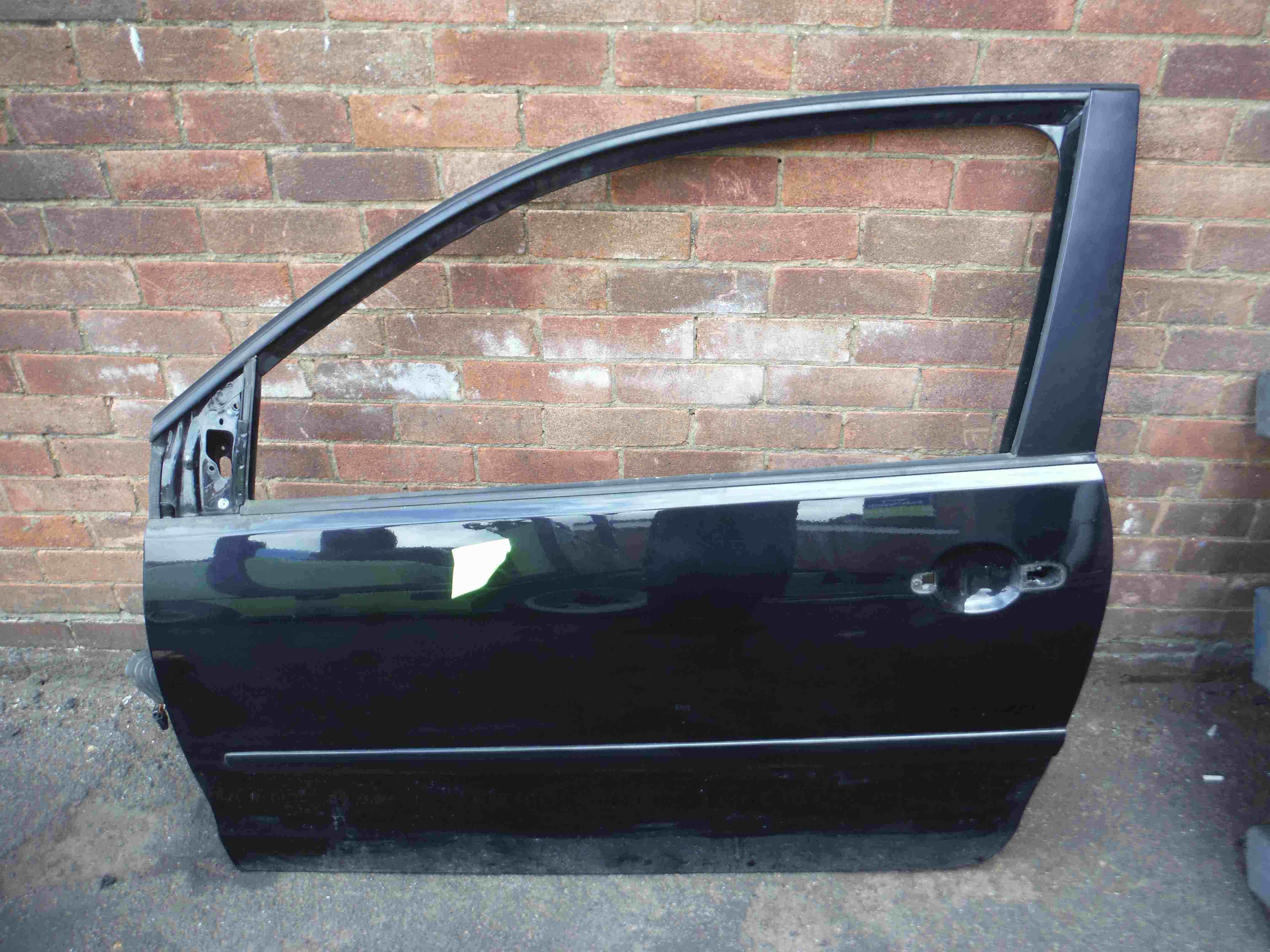 Volkswagen Polo 2003-2008 9N3 Passenger NSF Front Door Black LC9Z 5dr