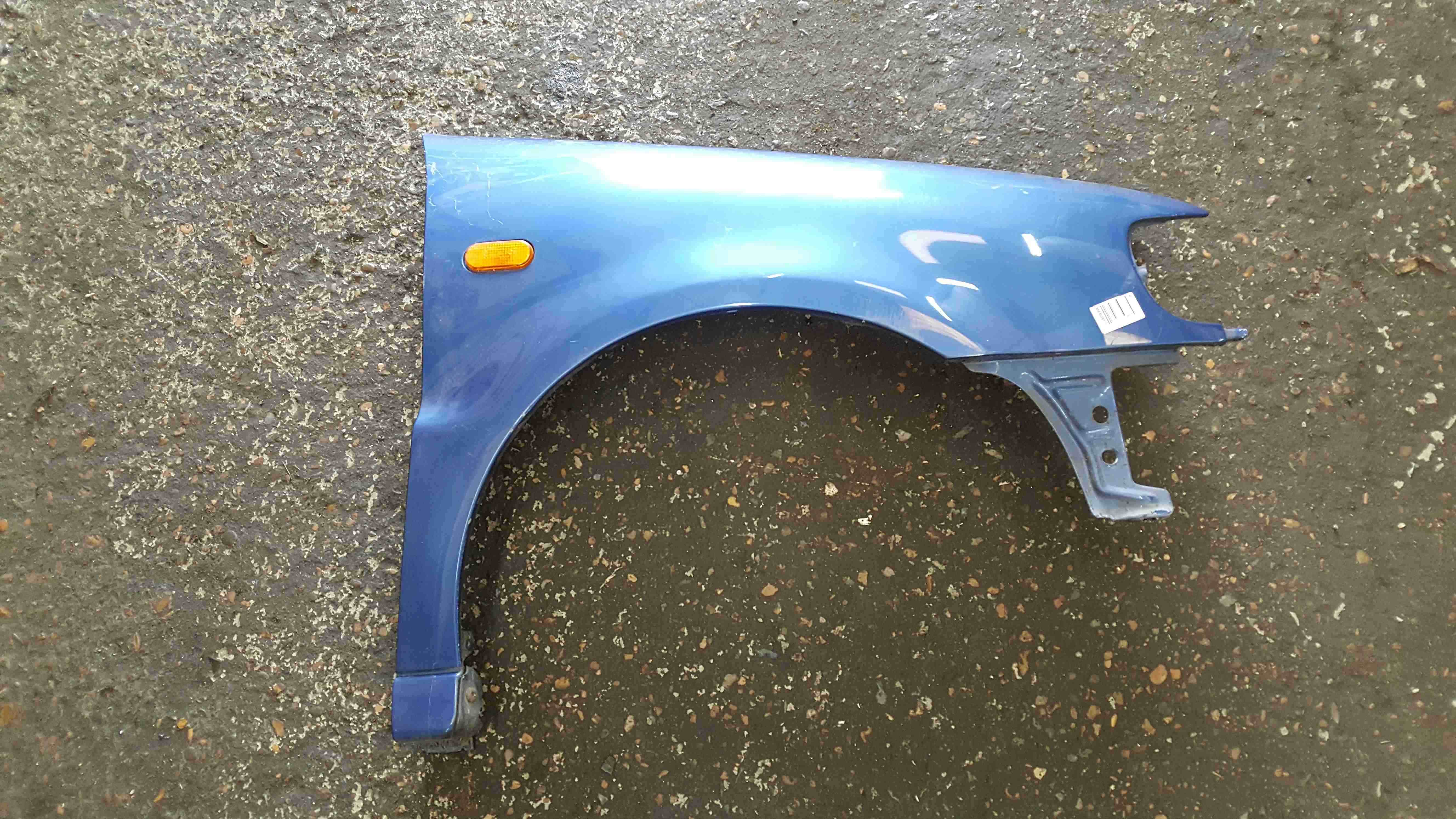 Volkswagen Polo 6N 1995-1999 Drivers OS Wing Blue LR5U