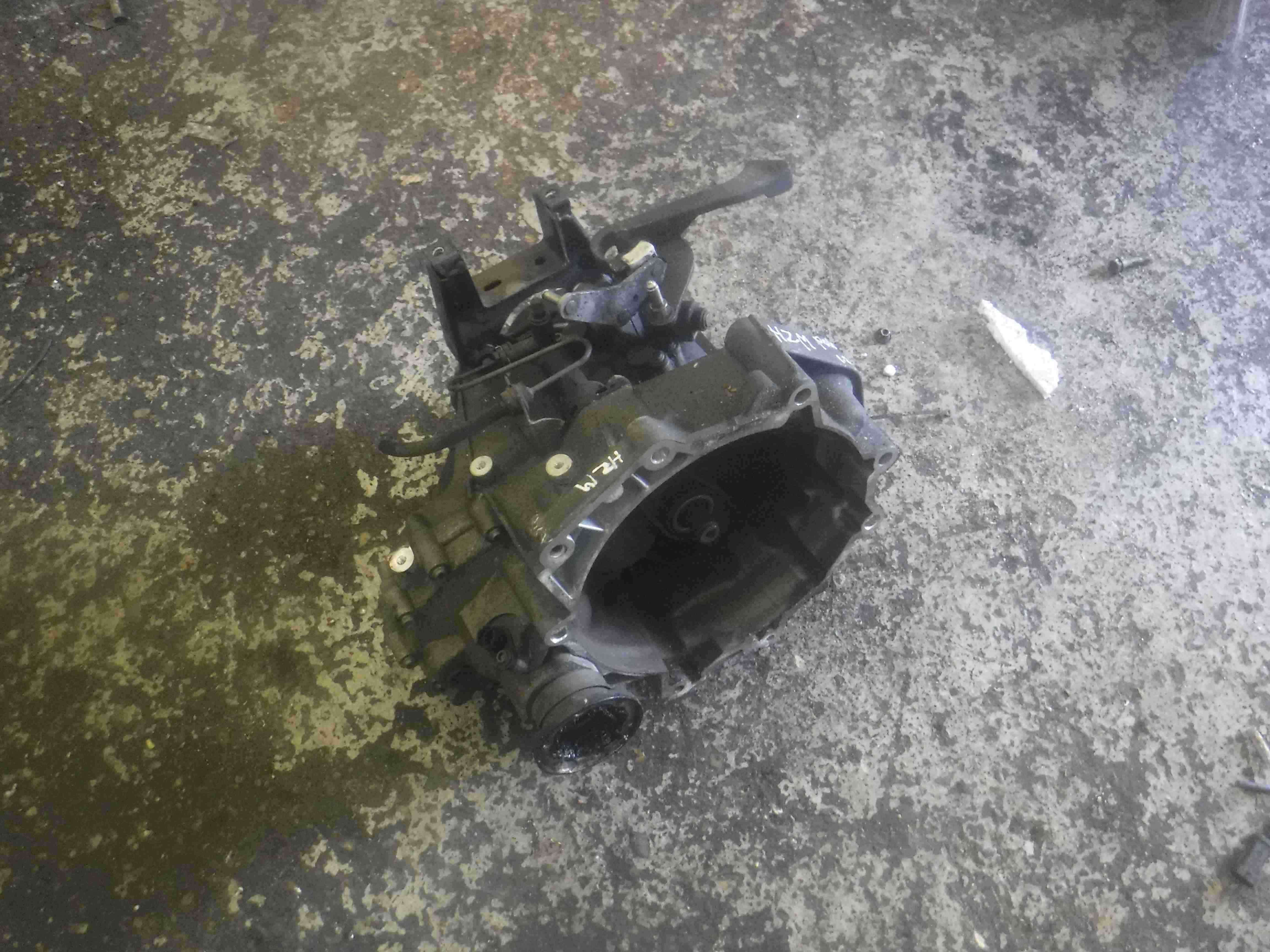 Volkswagen Polo 9N 2003-2006 1.2 6v 5 Speed Manual Gearbox HZM