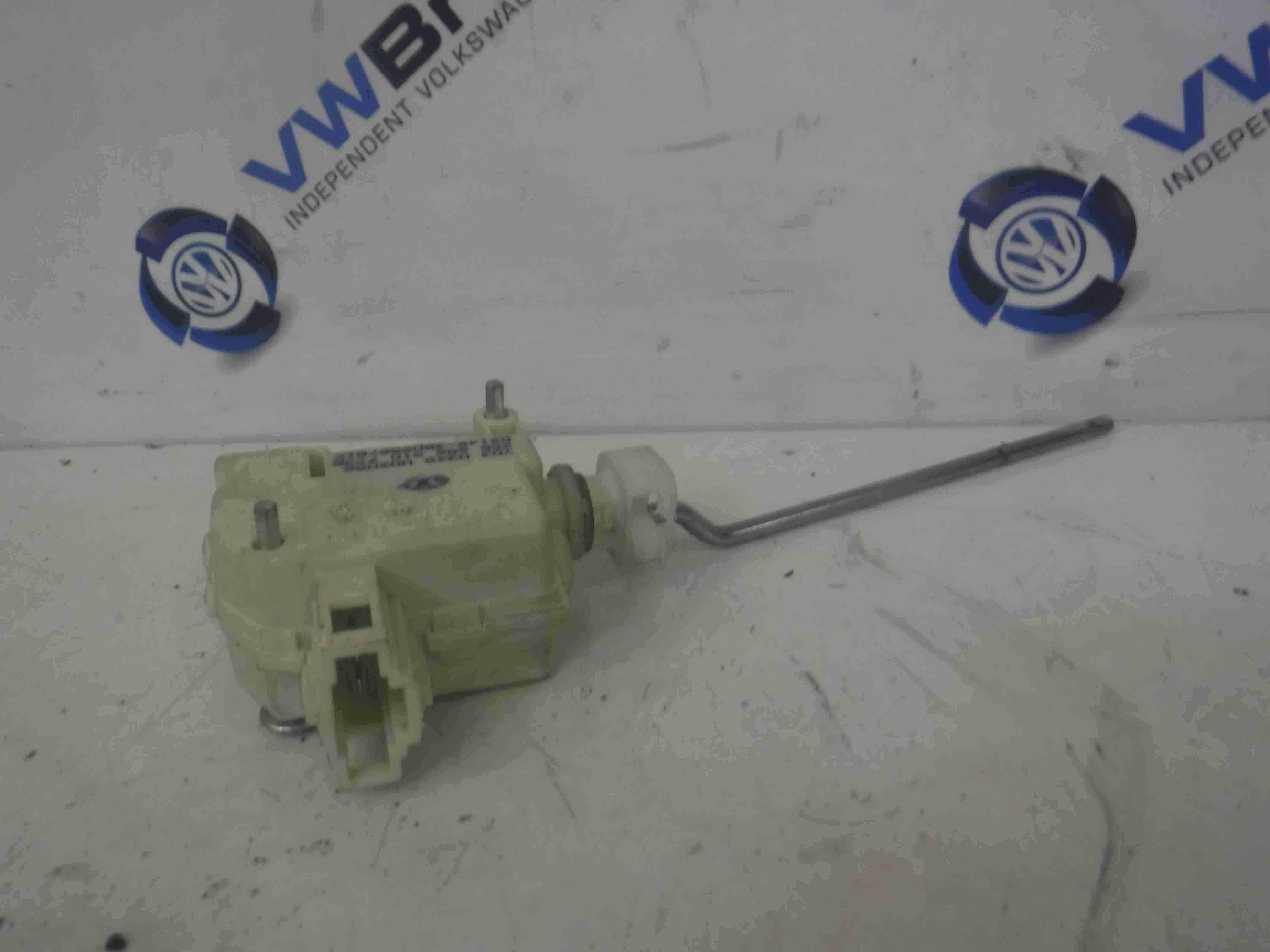 Volkswagen Polo 9N 2003-2006 Fuel Flap Lock Actuator Solenoid 6Q6810773B